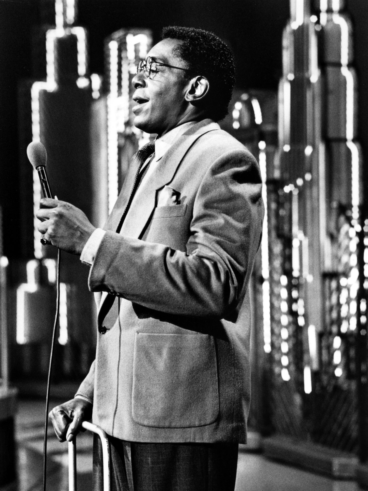 SOUL TRAIN, Host Don Cornelius, 1980s. 1971-present. (c) Tribune Entertainment/ Courtesy: Everett Co