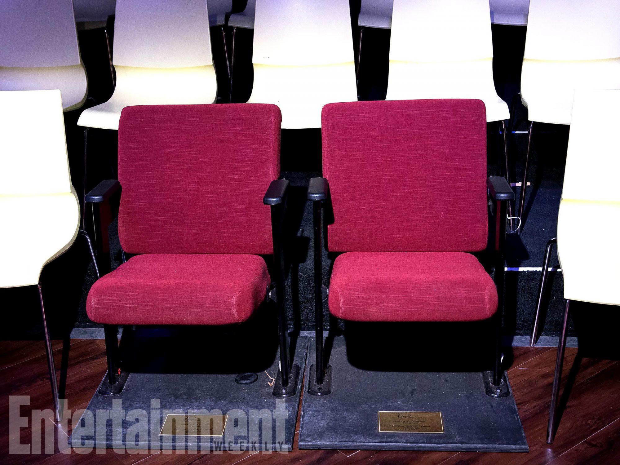 wwhl-oprah-chairs