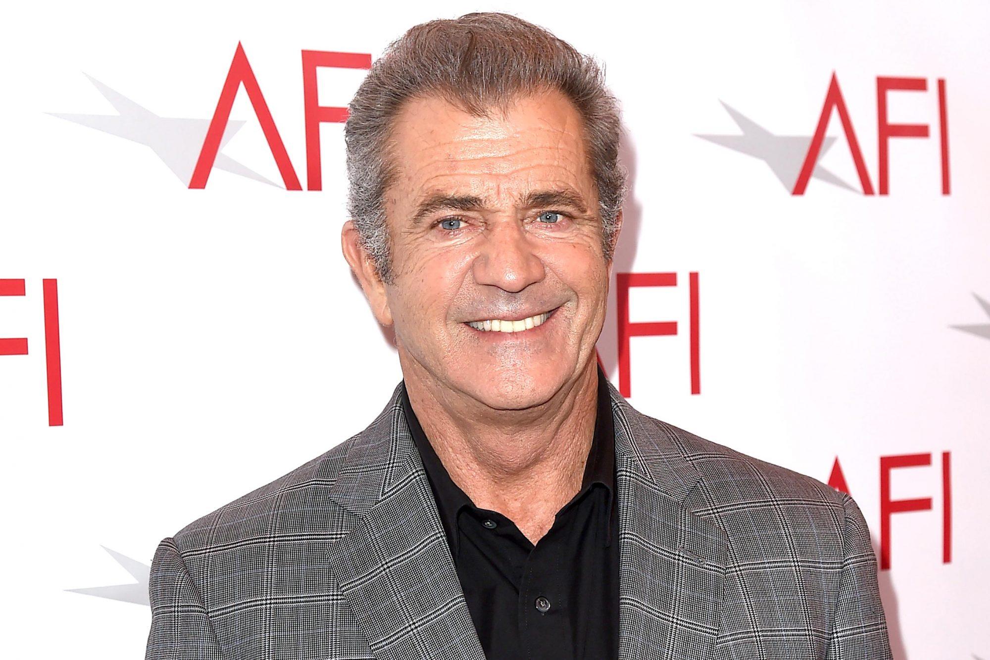 17th Annual AFI Awards - Red Carpet