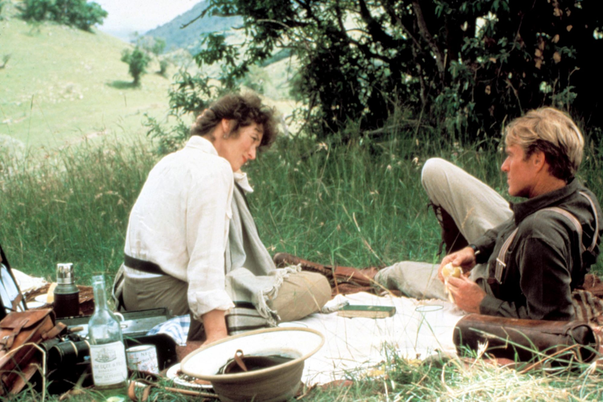 OUT OF AFRICA, Meryl Streep, Robert Redford, 1985. (c) MCA/Universal: Courtesy Everett Collection.