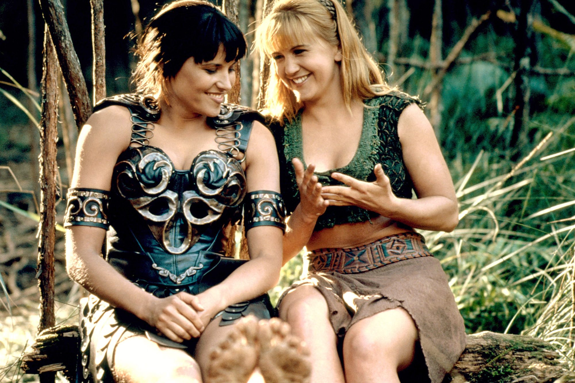 XENA: WARRIOR PRINCESS, (from left): Lucy Lawless, Renee O'Connor, 'A Day In The Life', (Season 2,