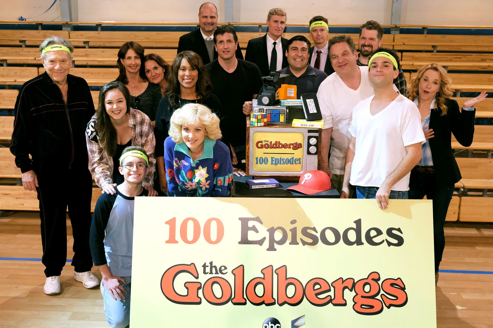 "GEORGE SEGAL, AJ MICHALKA, SEAN GIAMBRONE, CHANNING DUNGEY (PRESIDENT, ABC ENTERTAINMENT), WENDI MCLENDON-COVEY, DOUG ROBINSON (EXECUTIVE PRODUCER, ""THE GOLDBERGS""), ADAM F. GOLDBERG (CREATOR AND EXECUTIVE PRODUCER, ""THE GOLDBERGS""), JEFF GARLIN, TROY GEN"