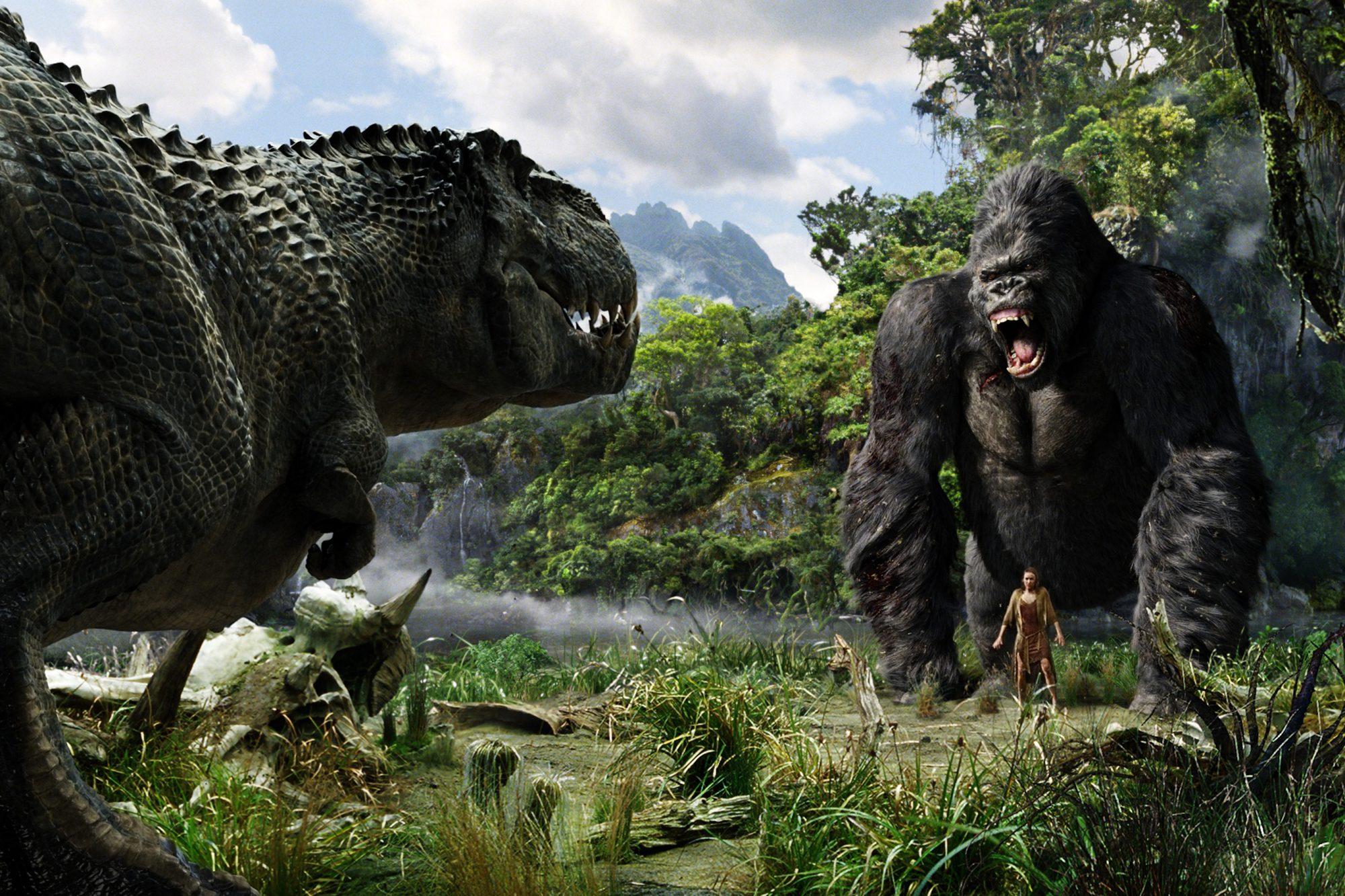 KING KONG (2005)King Kong and Naomi Watts
