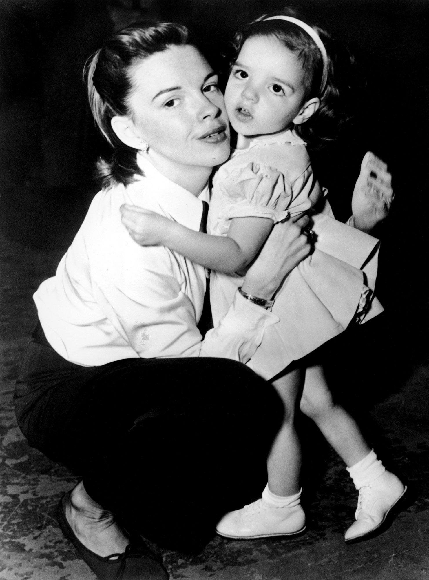 Judy Garland & Young Liza Minnelli On Film Set