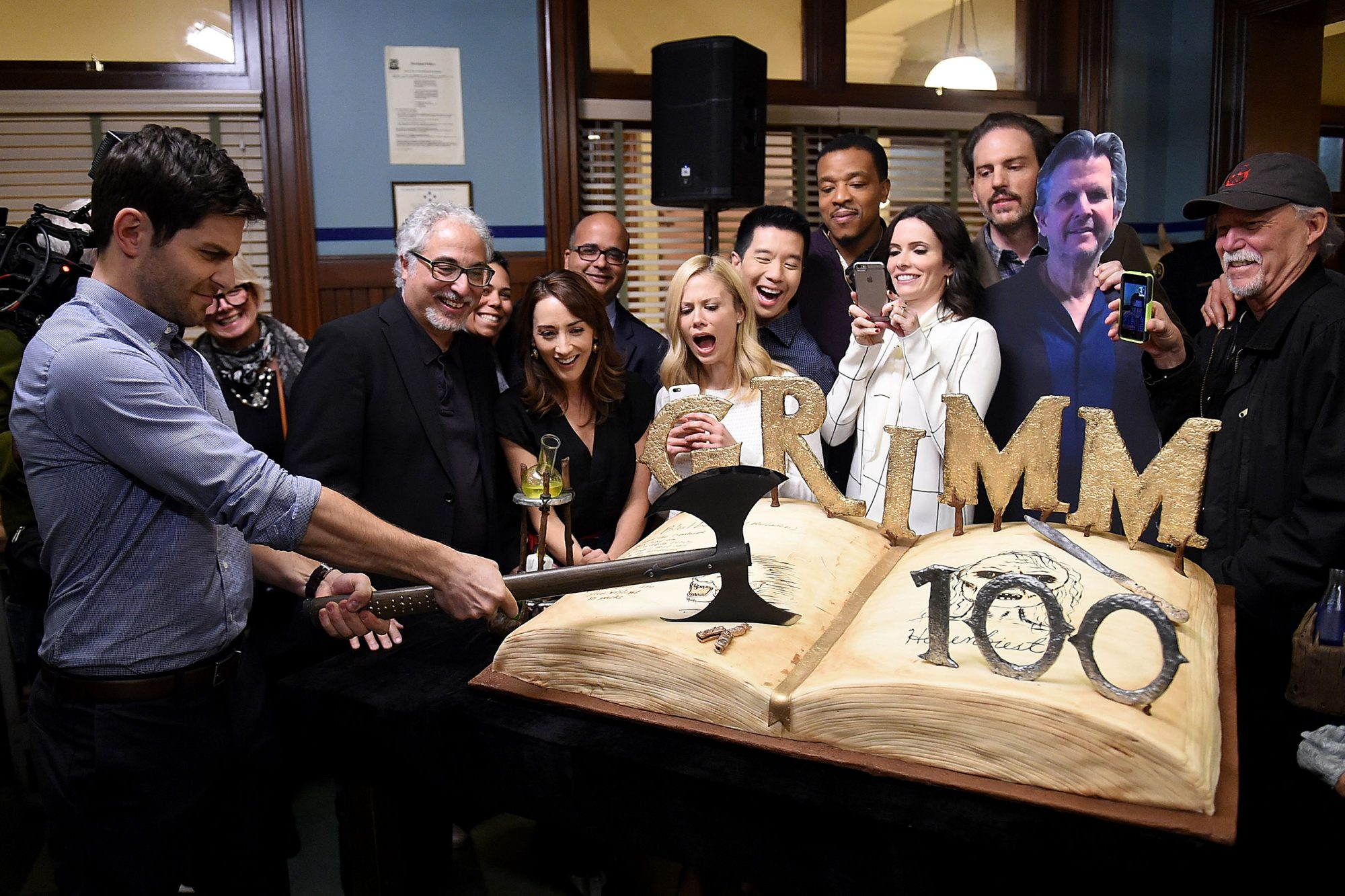 """Grimm"" 100th Episode Ceremony And Cake Cutting"