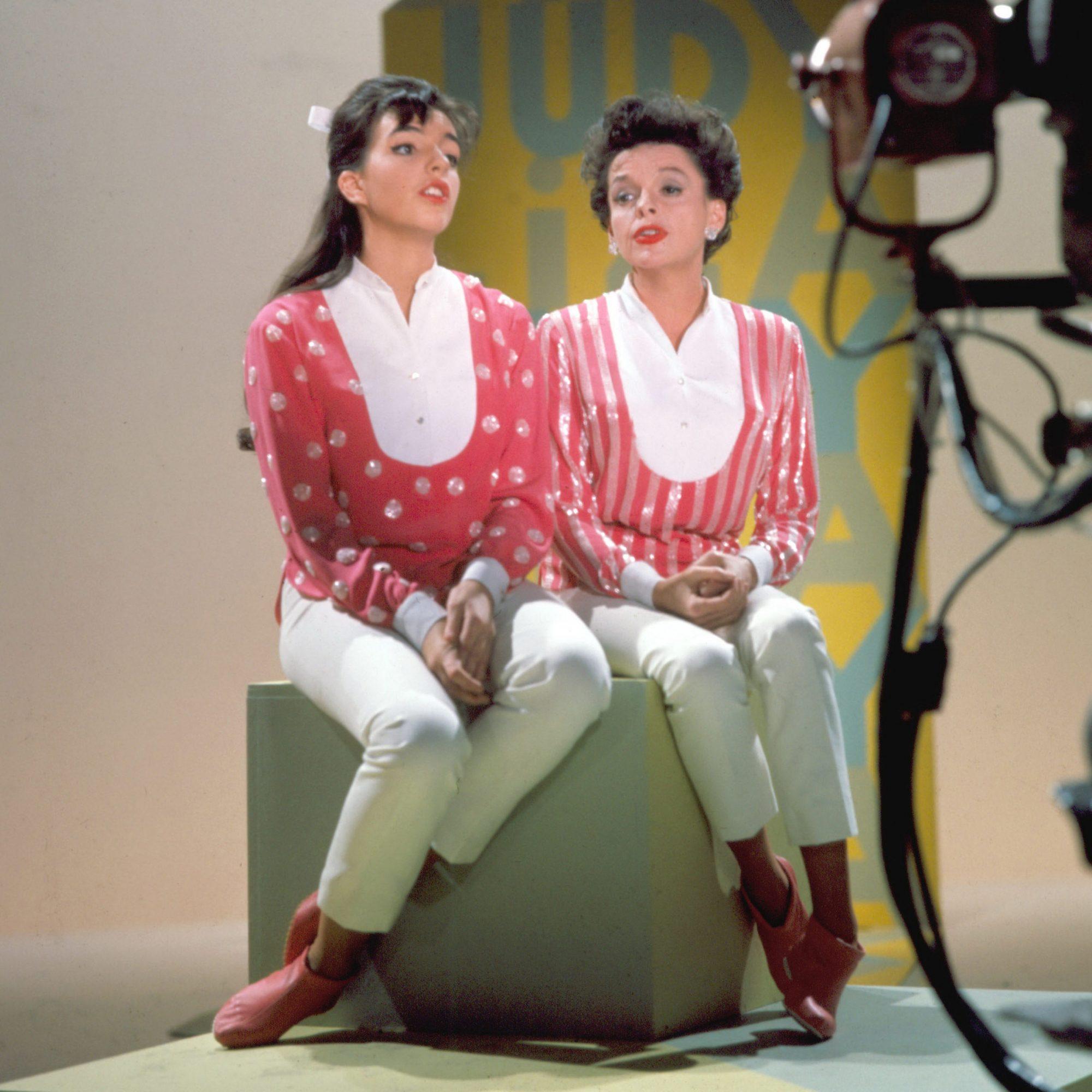 Judy & Liza Perform Together