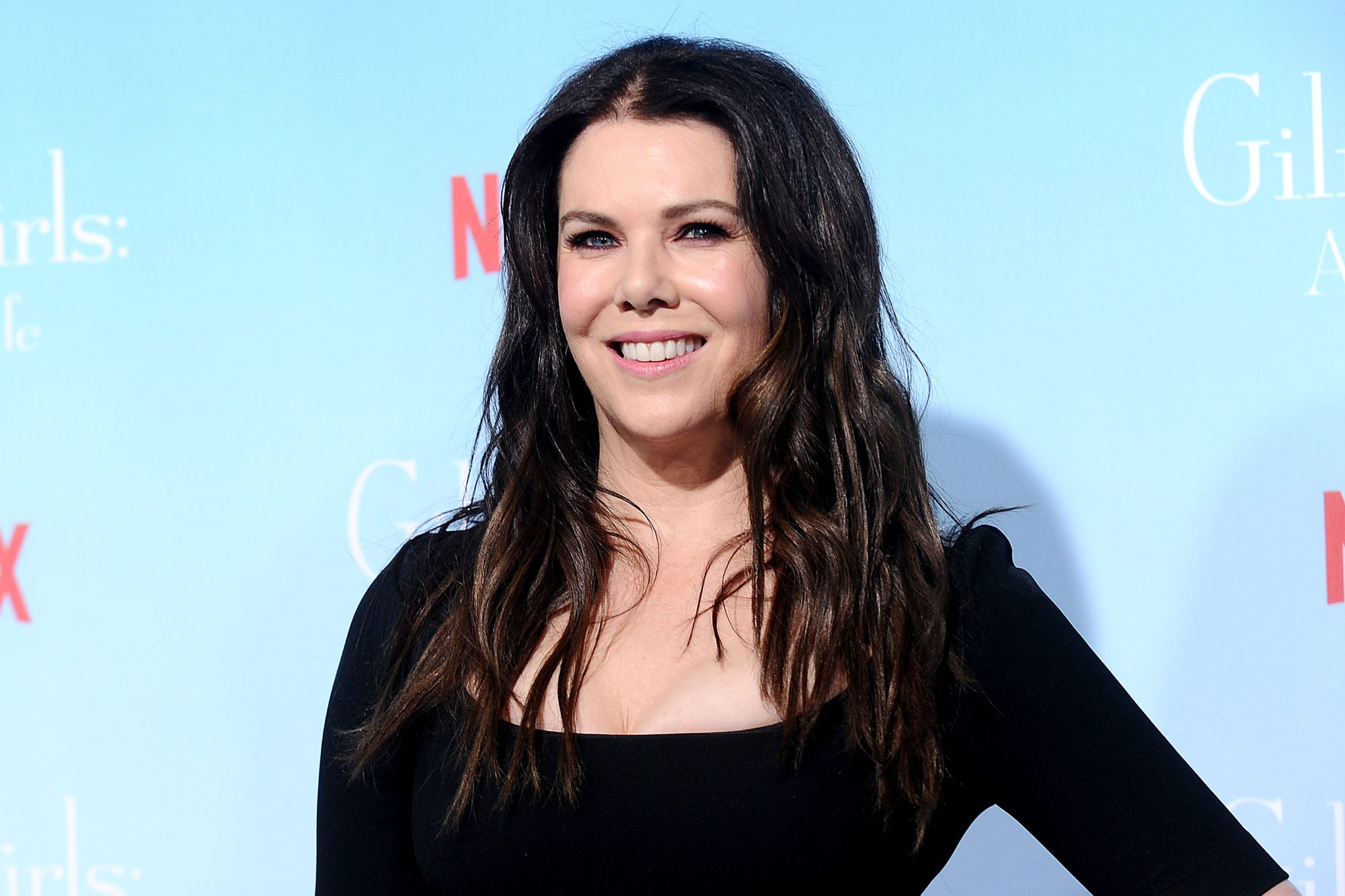 """Lauren Graham at Premiere Of Netflix's """"Gilmore Girls: A Year In The Life"""" - Arrivals"""
