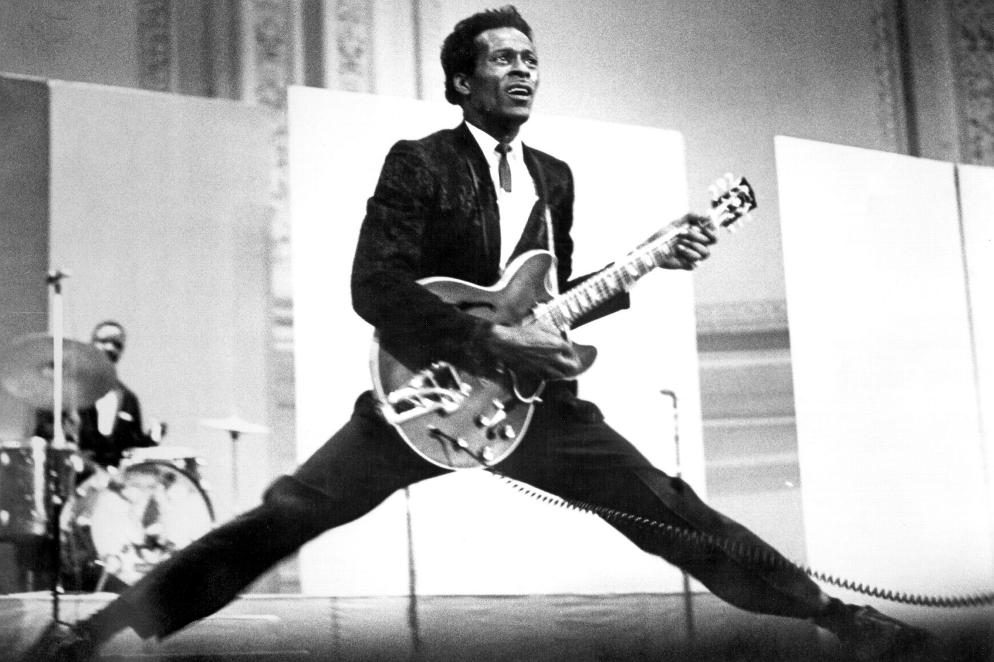 Chuck Berry Does The Splits