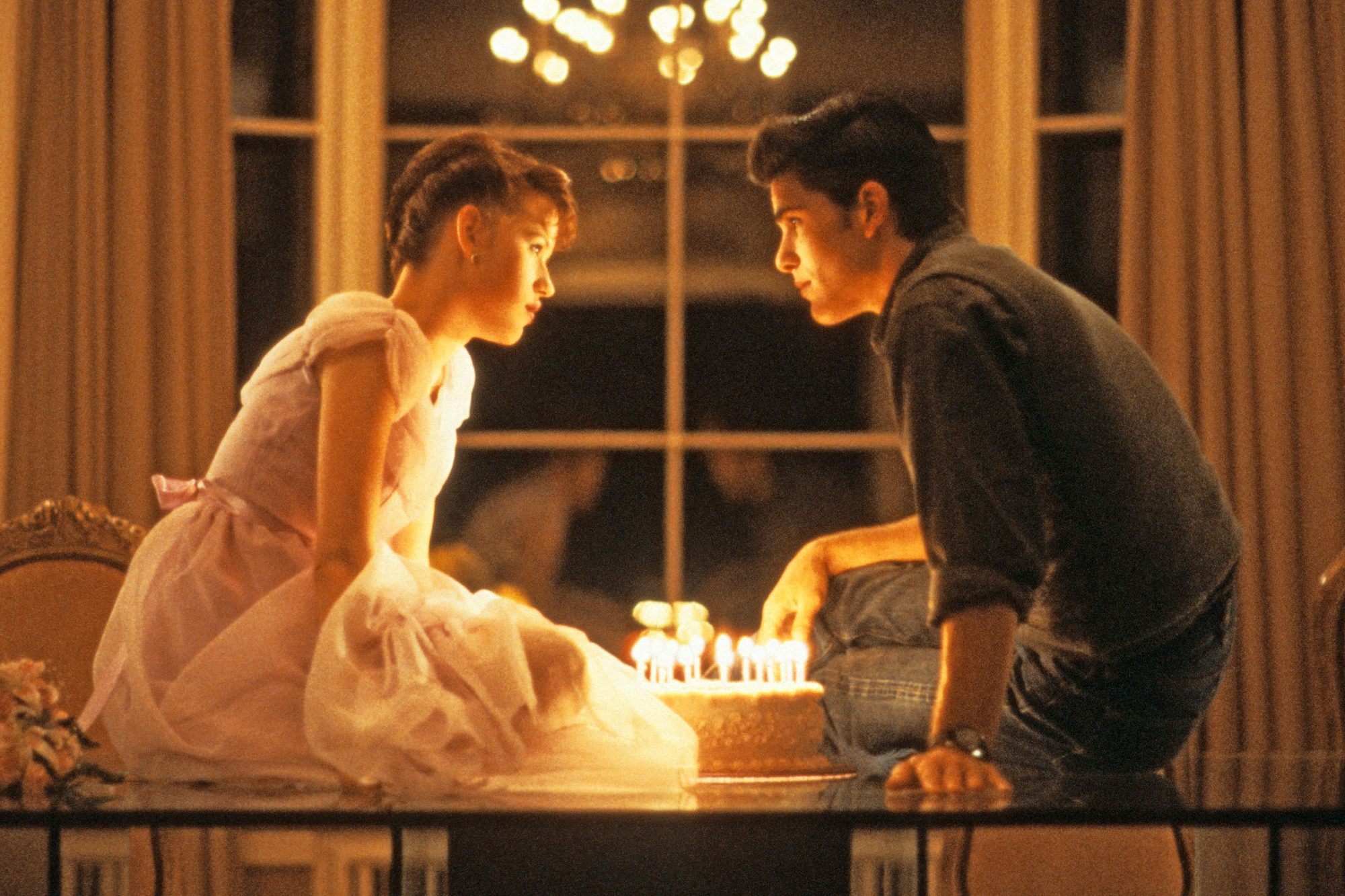 SIXTEEN CANDLES, Molly Ringwald, Michael Schoeffling, 1984. (c)Universal Pictures/ Courtesy: Everett