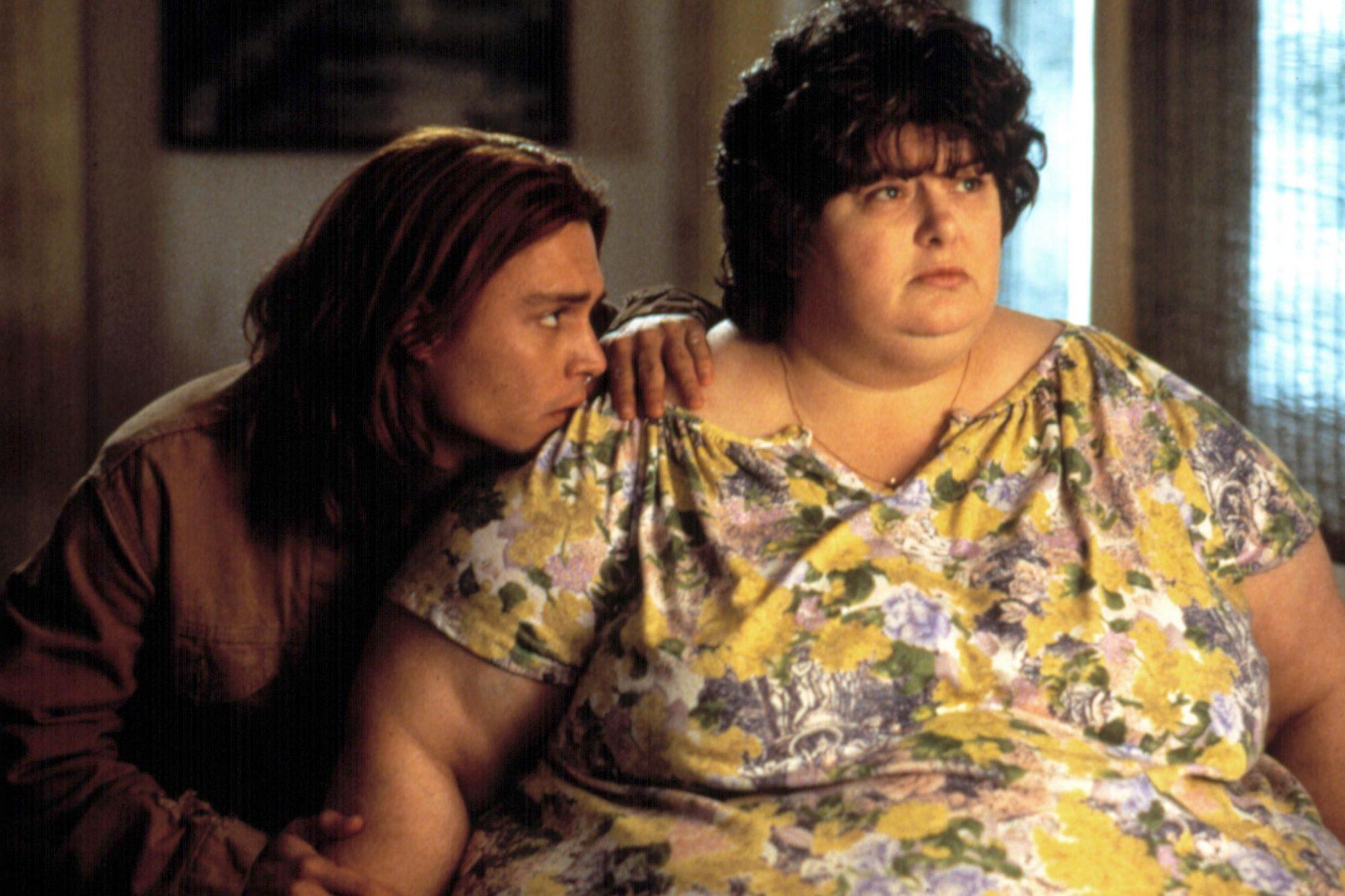 WHAT'S EATING GILBERT GRAPE?, Johnny Depp, Darlene Cates, 1993
