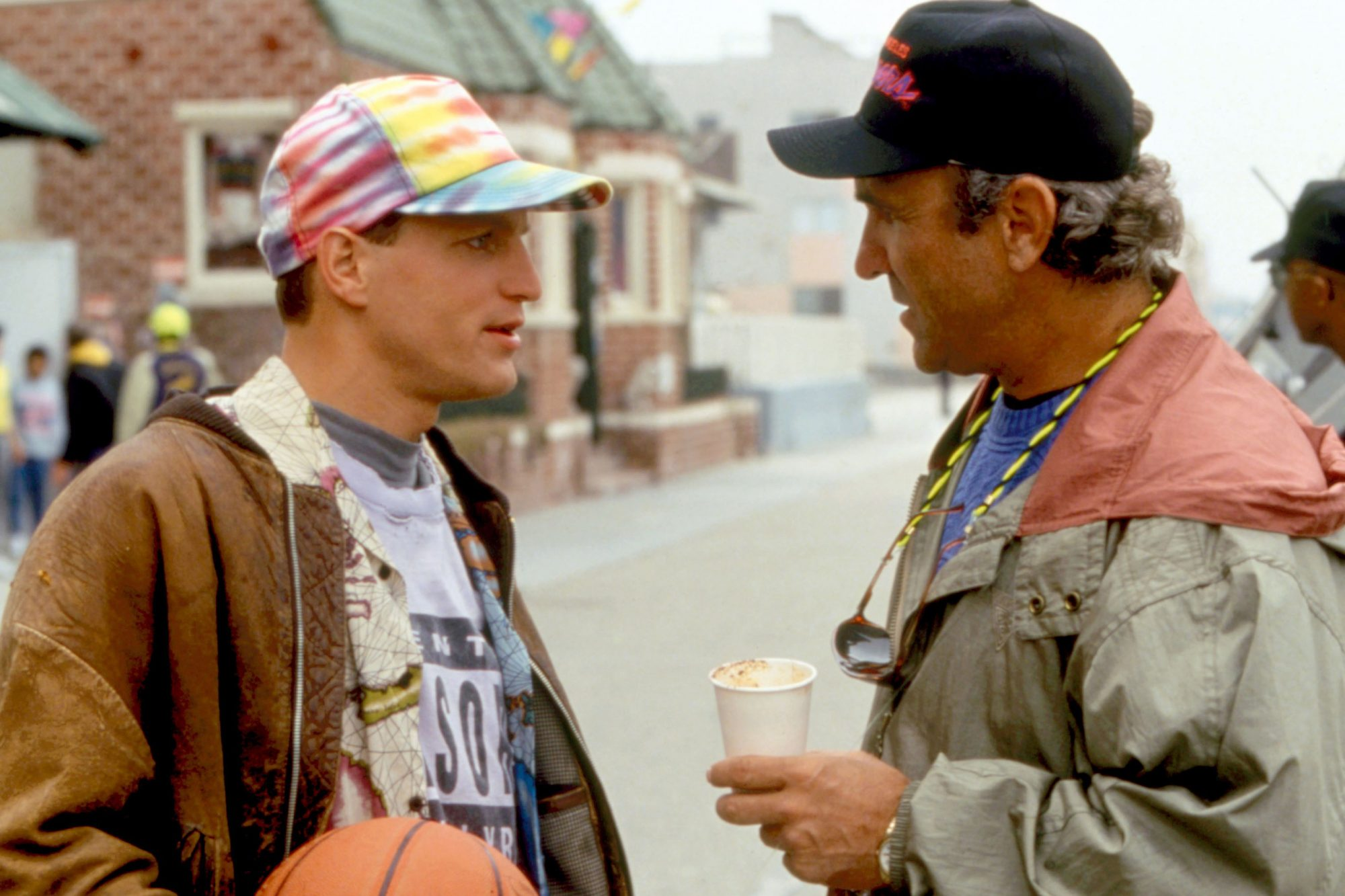 WHITE MEN CAN'T JUMP, Woody Harrelson, director Ron Shelton, on set, 1992. TM and Copyright ©20th Ce