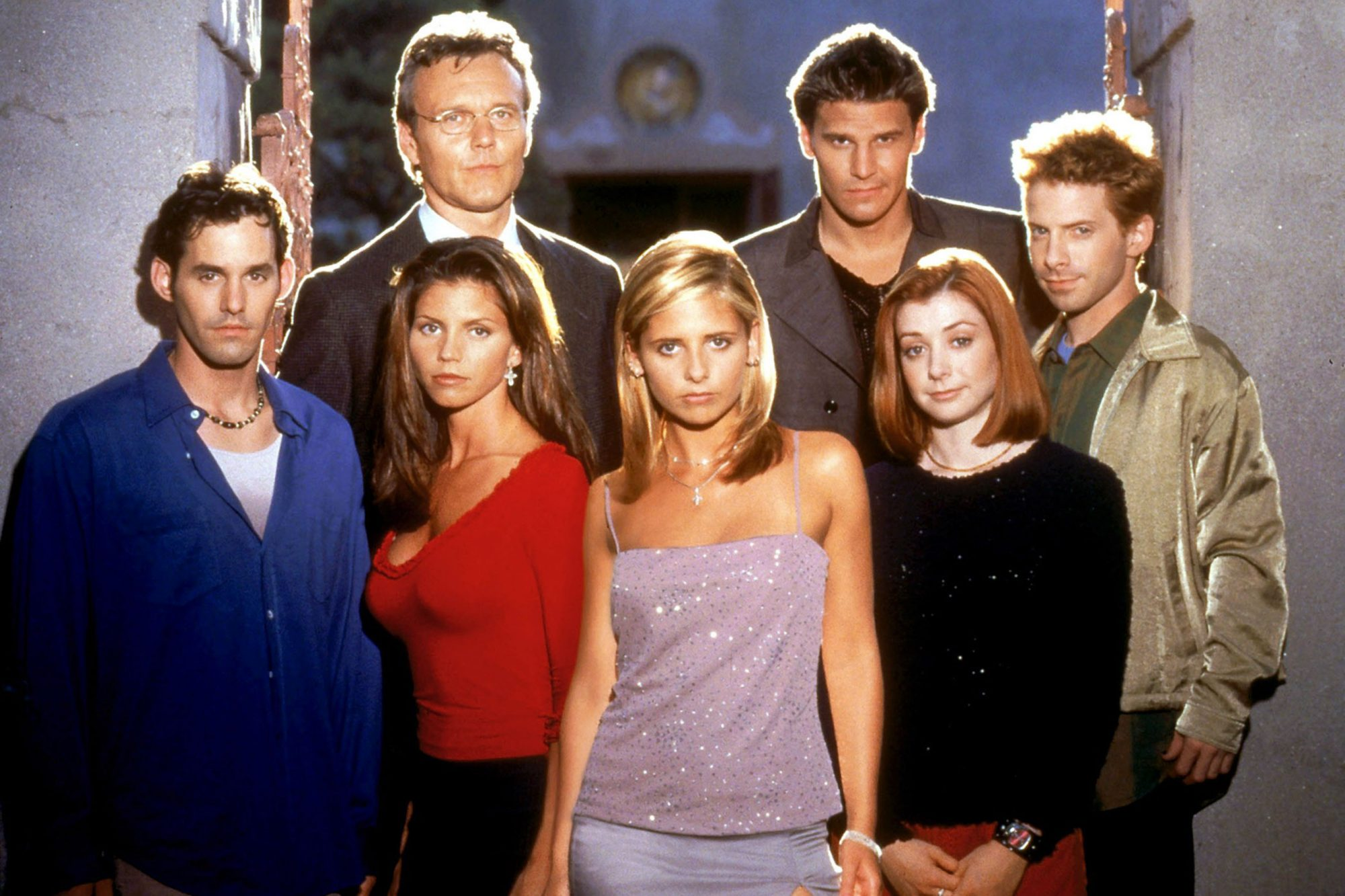 BUFFY THE VAMPIRE SLAYER, (back row): Anthony Head, David Boreanaz, Seth Green, (front): Nicholas Br