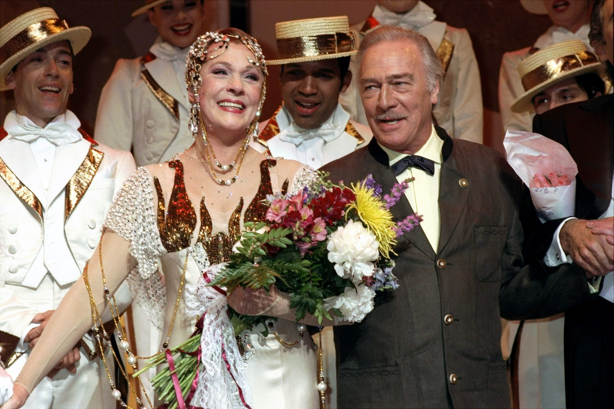 Julie Andrews does her final curtain bows at play Victor Vic