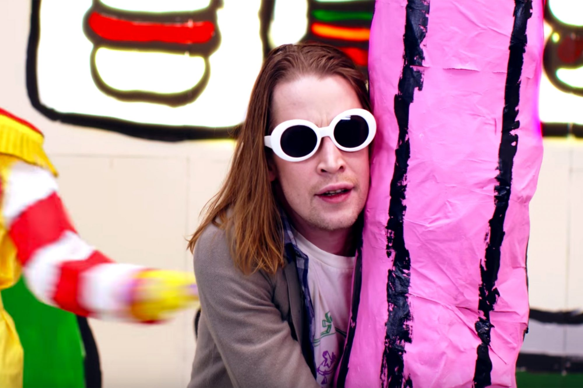 Maculay Culkin in Father John Misty new video
