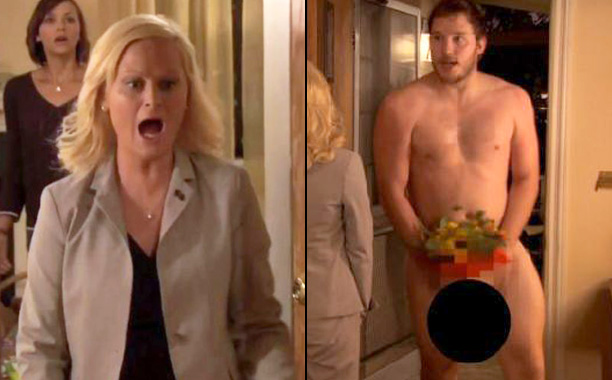'Parks and Recreation' - Chris Pratt appears completely nude to Amy Poehler in a scene