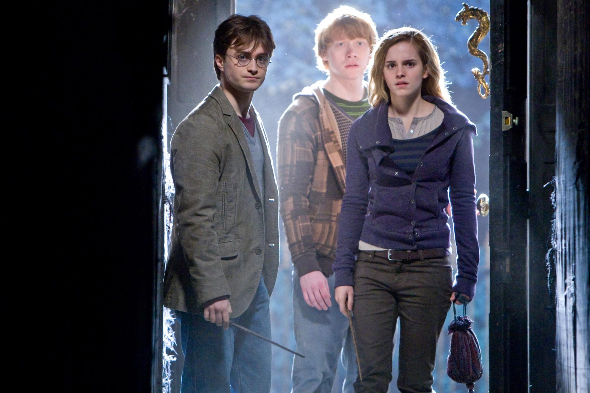 HARRY POTTER AND THE DEATHLY HALLOWS: PART 1, from left: Daniel Radcliffe, Rupert Grint, Emma Watson