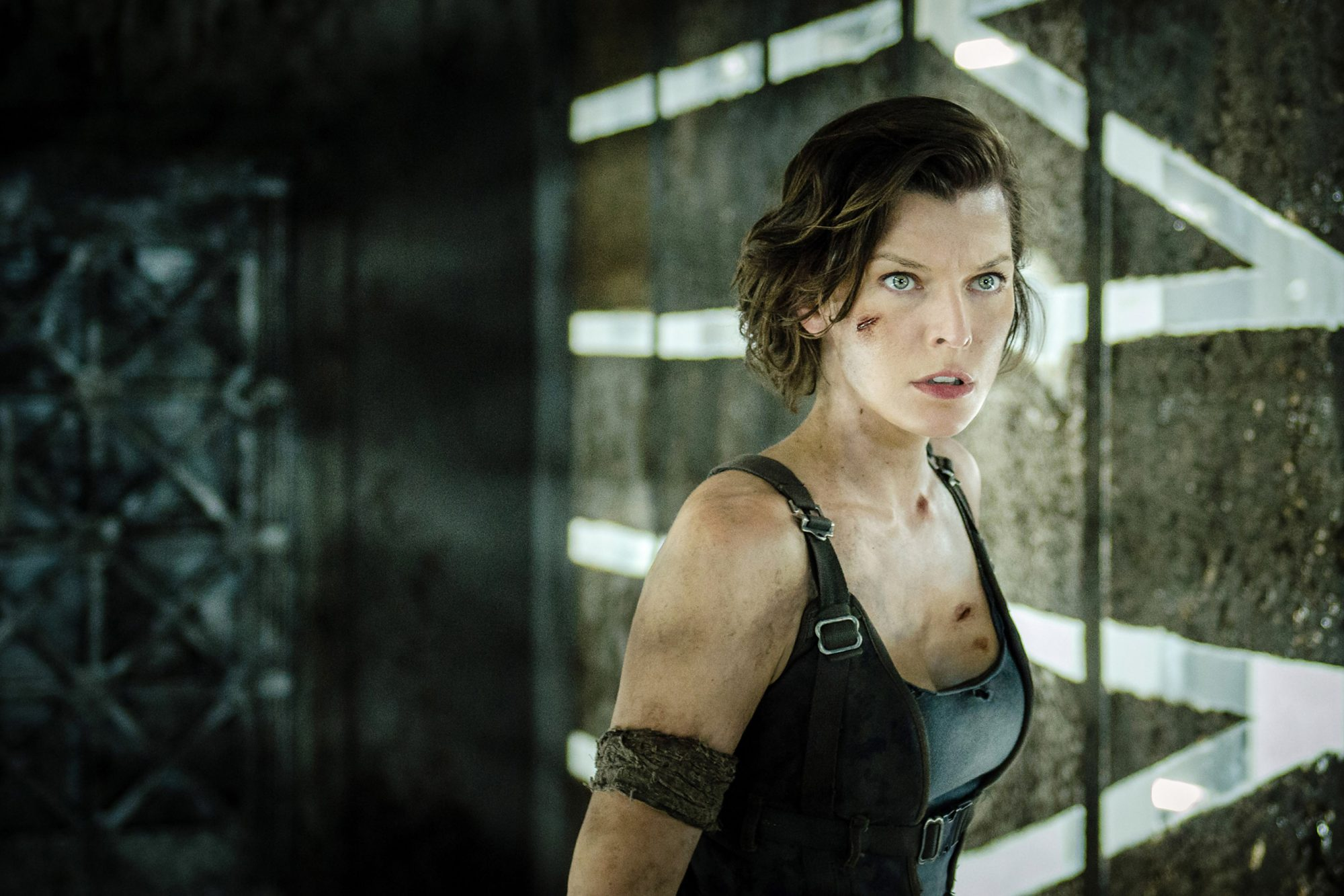 RESIDENT EVIL: THE FINAL CHAPTER, Milla Jovovich, Iain Glen, 2016. ph: Coco Van Oppens/©Screen