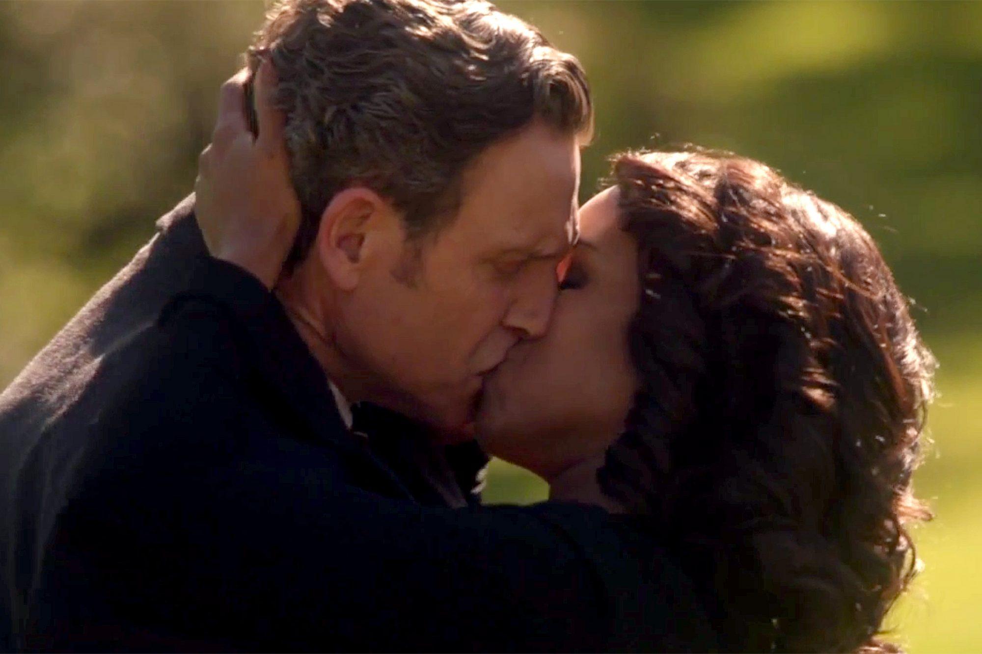 Scandal Season 6 finale kiss