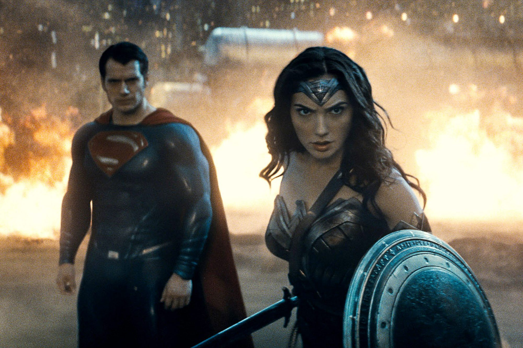 BATMAN V SUPERMAN: DAWN OF JUSTICE, from left: Henry Cavill, as Superman, Gal Gadot, as Wonder