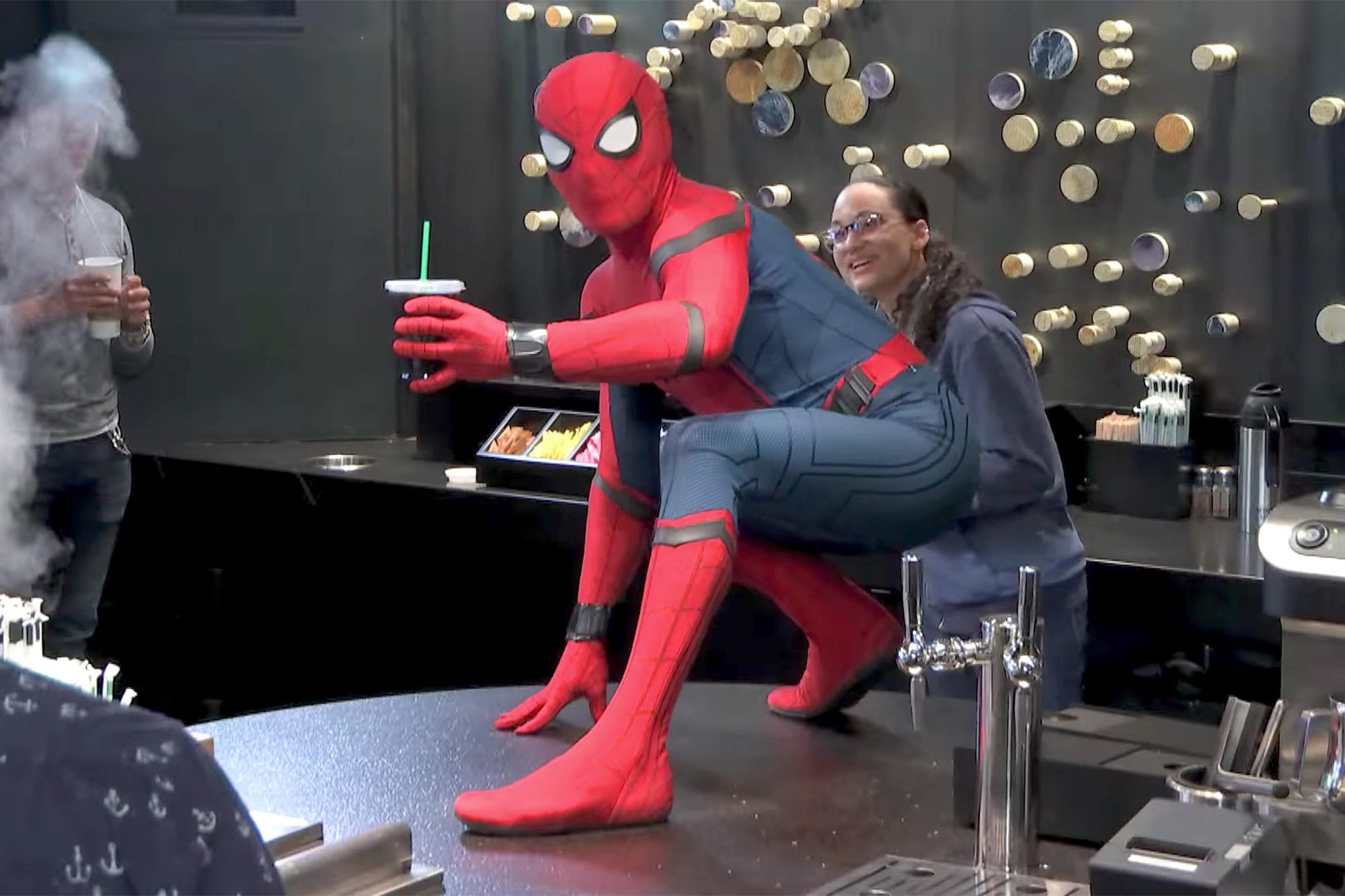 spiderman_starbucks