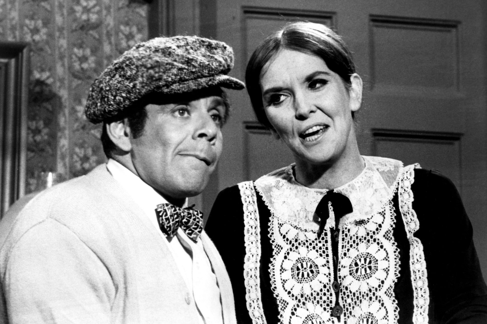 THE SUMMER SMOTHERS BROTHERS SHOW, from left, Jerry Stiller, Anne Meara, aired August 18, 1968