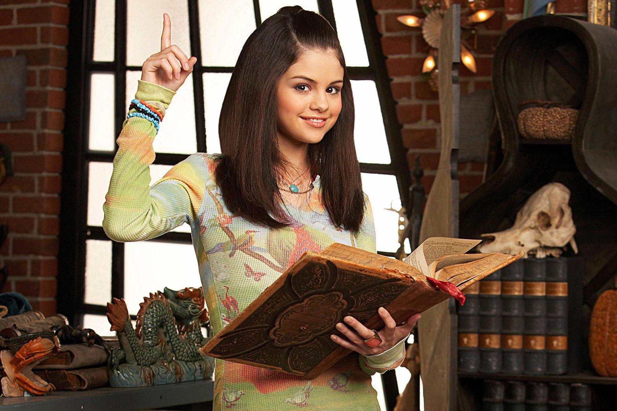 WIZARDS OF WAVERLY PLACE, Selena Gomez, (Season 1), 2007-,. Photo: Criag Sjdoin © DISNEY CHANNEL / c