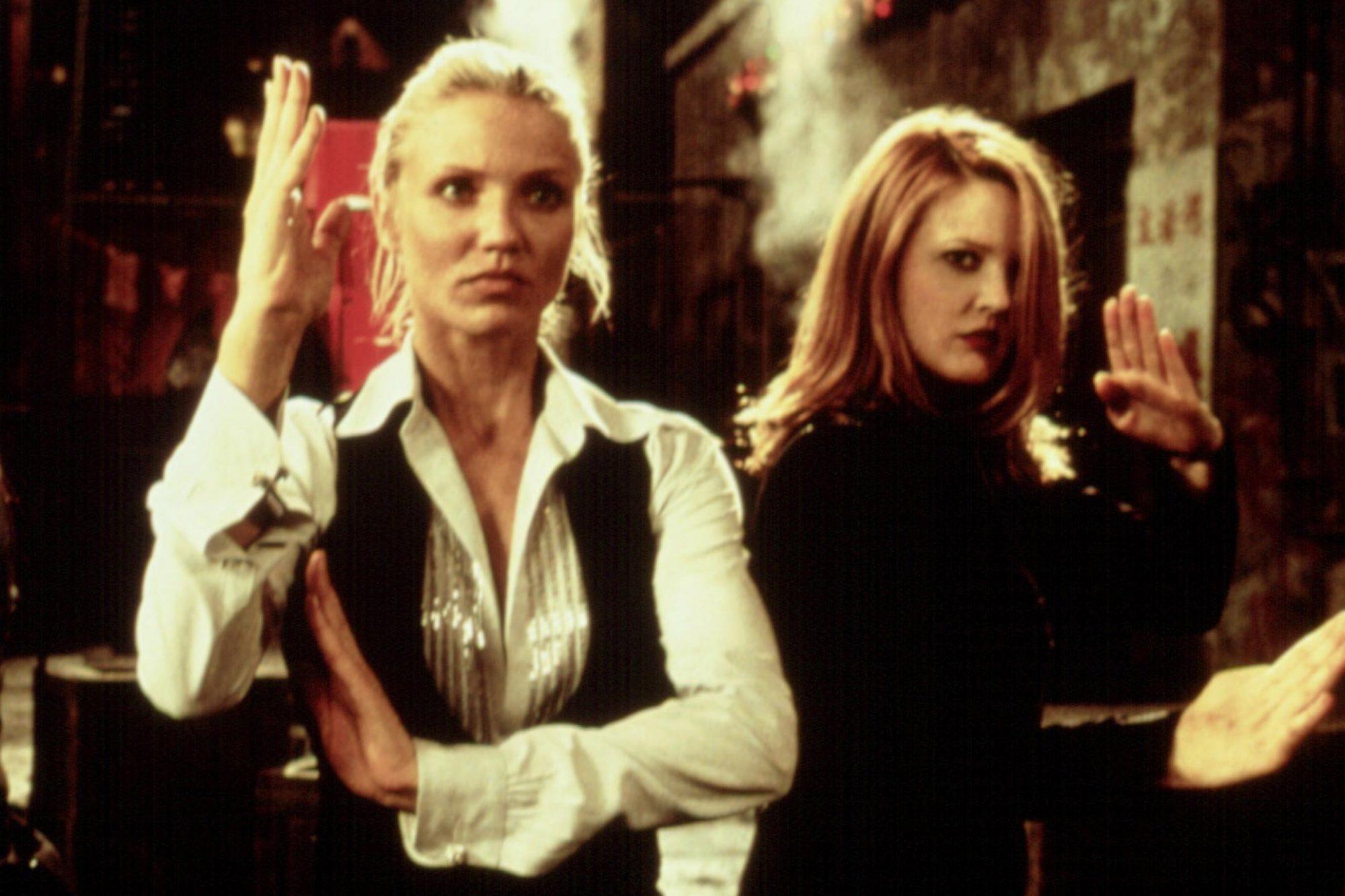 CHARLIE'S ANGELS, Lucy Liu, Cameron Diaz, Drew Barrymore, 2000