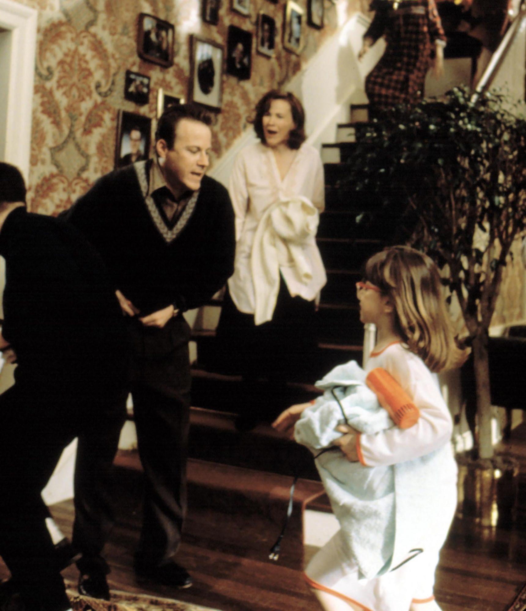 HOME ALONE, John Heard, Catherine O'Hara, ?, 1990, TM and Copyright (c) 20th Century Fox Film Corp.