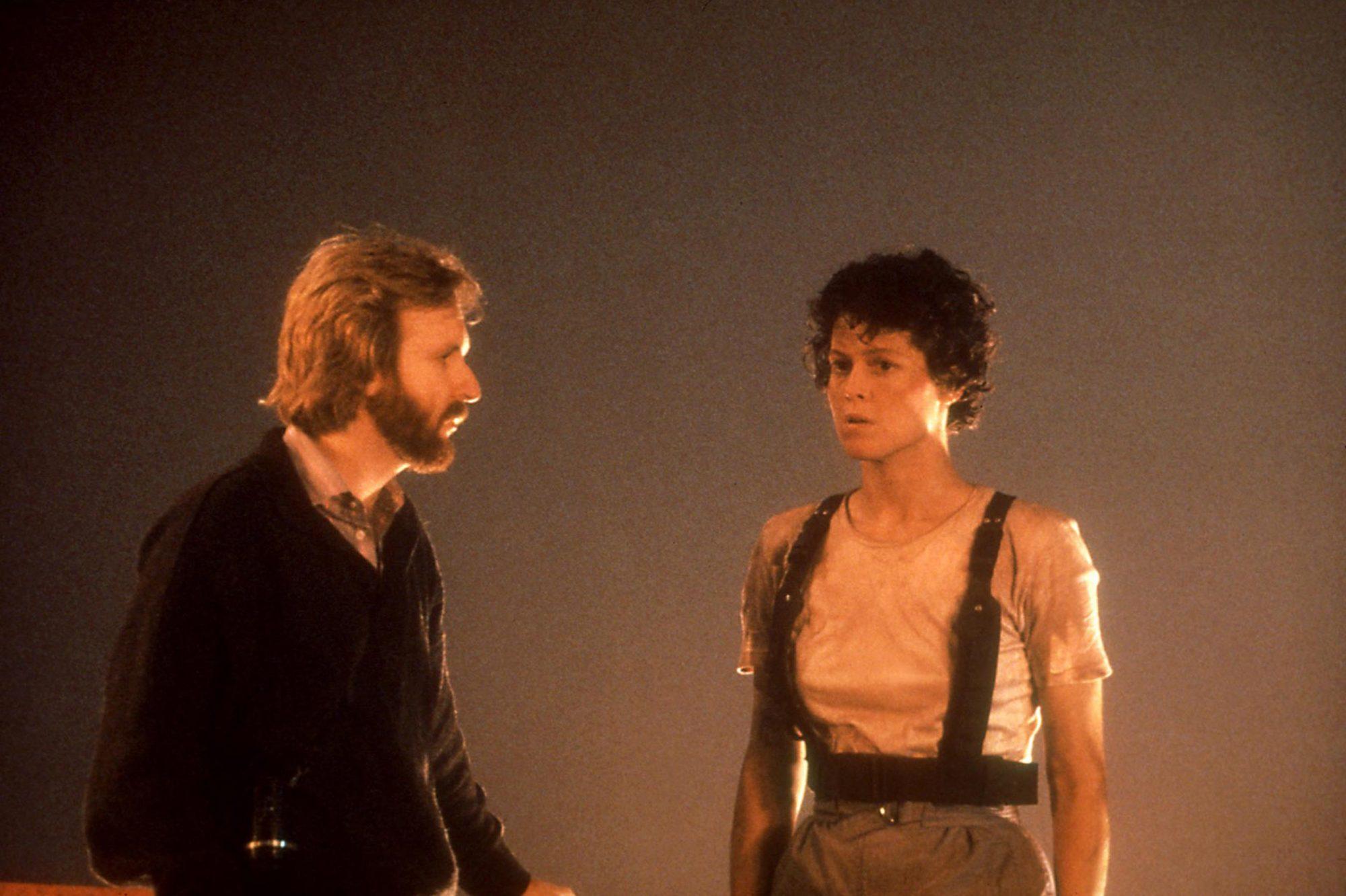 ALIENS, James Cameron, Sigourney Weaver, 1986