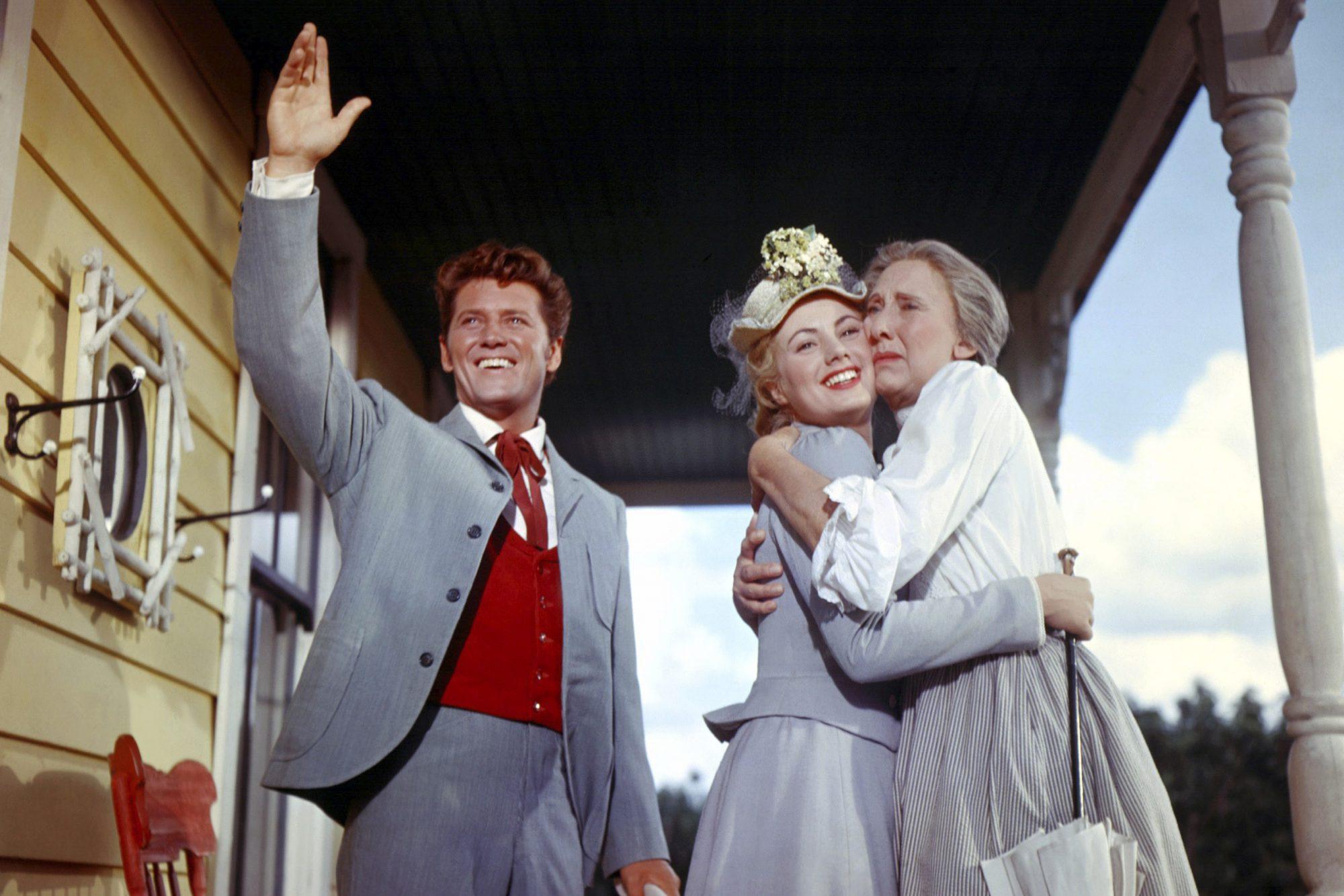 OKLAHOMA!, Gordon MacRae, Shirley Jones, Charlotte Greenwood, 1955, TM & Copyright (c) 20th Century