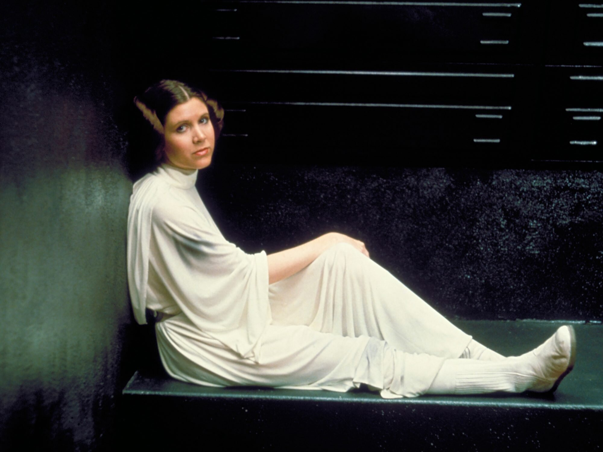 Carrie Fisher Created Princess Leia And Reclaimed Her Legacy Ew Com