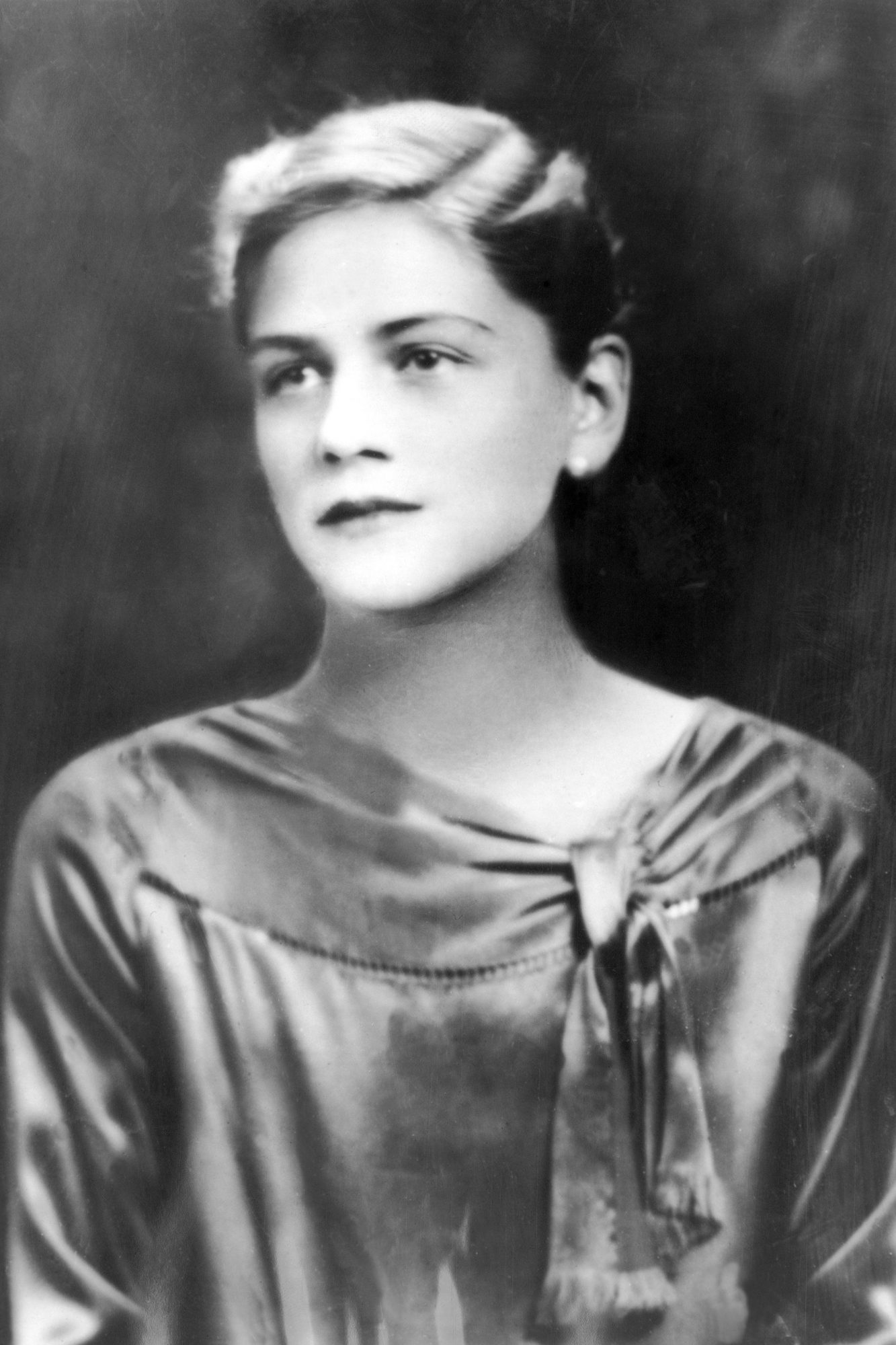 Lee Miller, First Female Photographer 1928