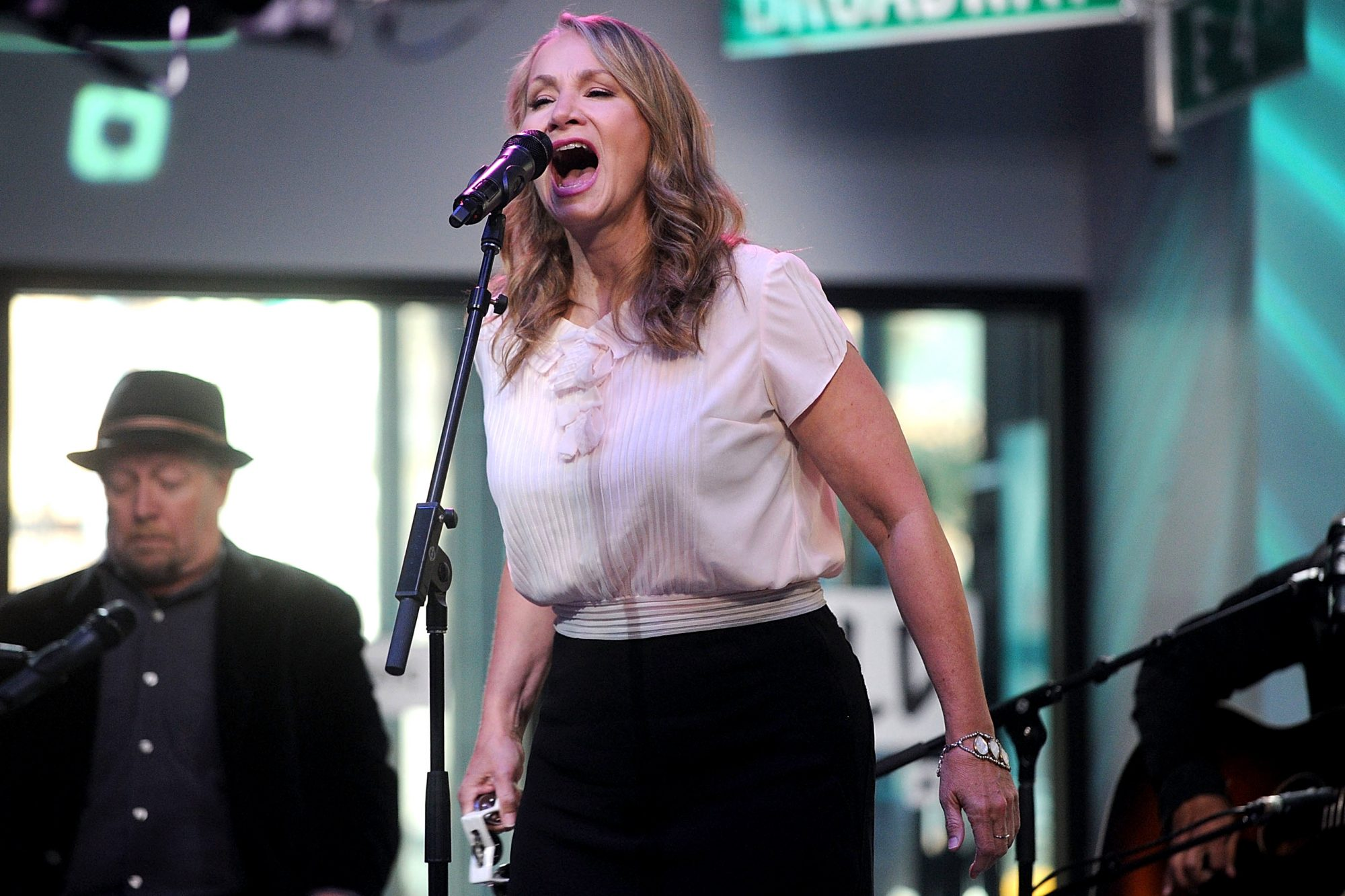 "Build Presents Joan Osborne  Discussing Her New Album ""Songs of Bob Dylan"""