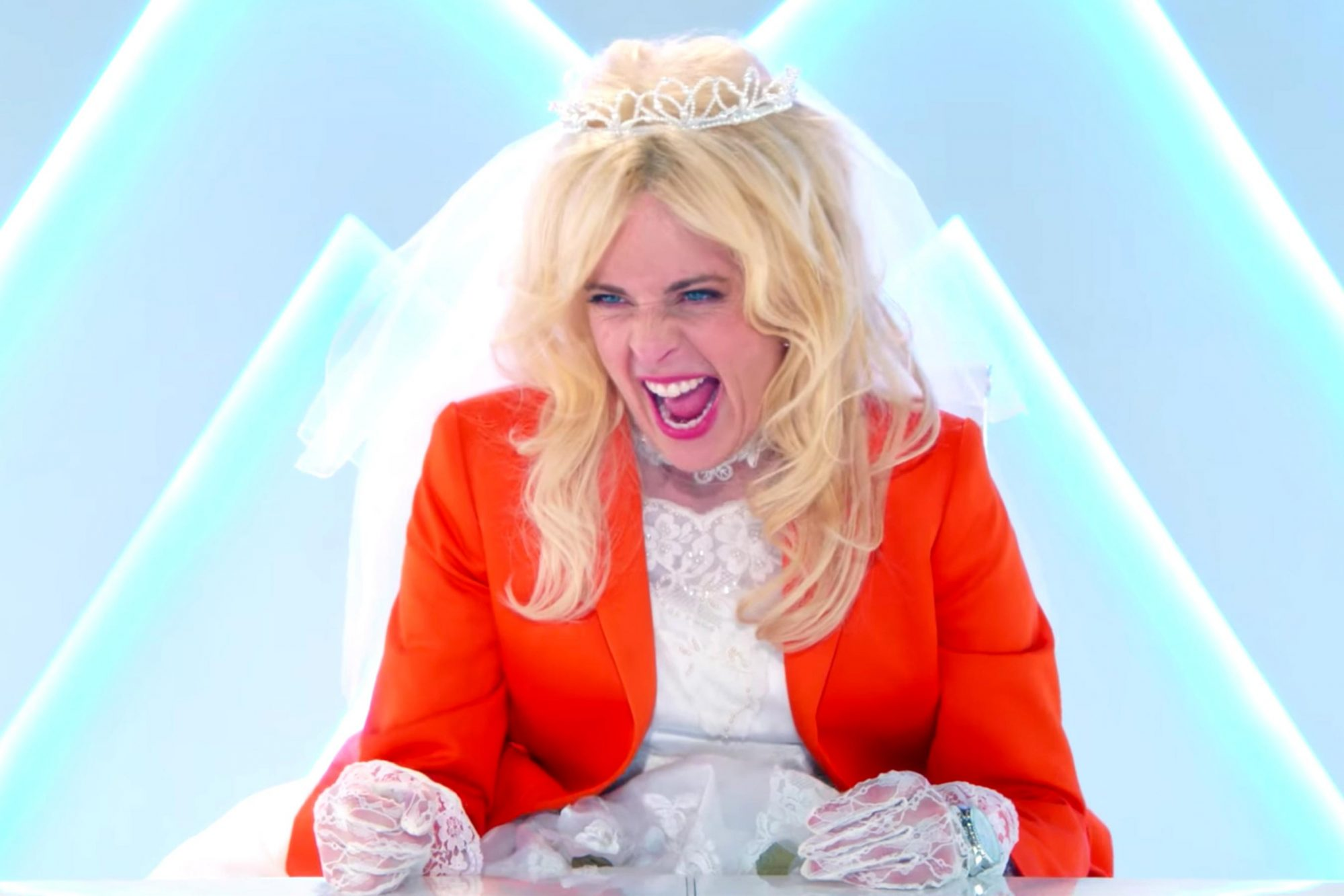 Lady Dynamite | Season 2 Date Announcement [HD] | Netflix