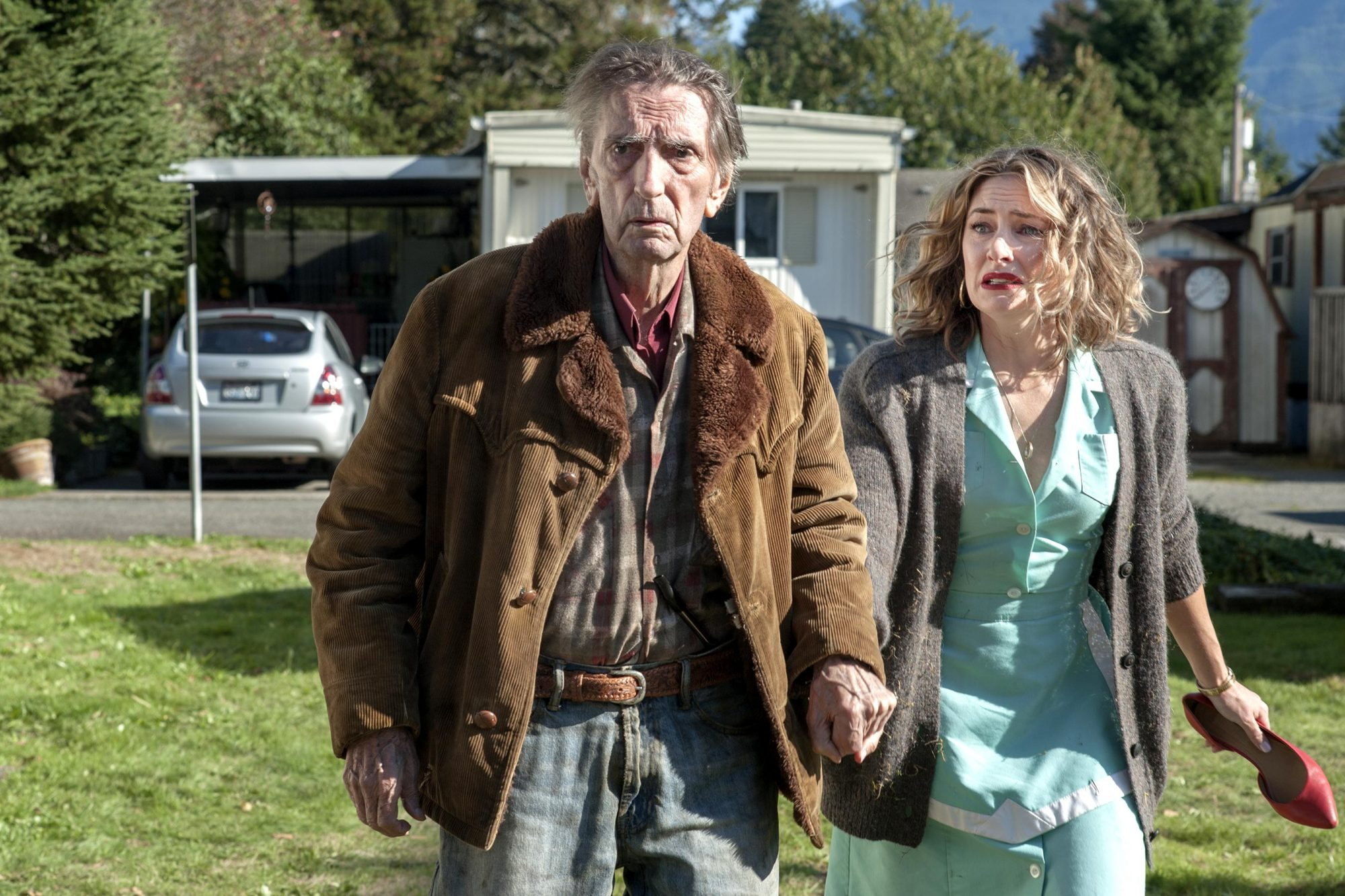Harry Dean Stanton with Mädchen Amick on Showtime's Twin Peaks: The Return
