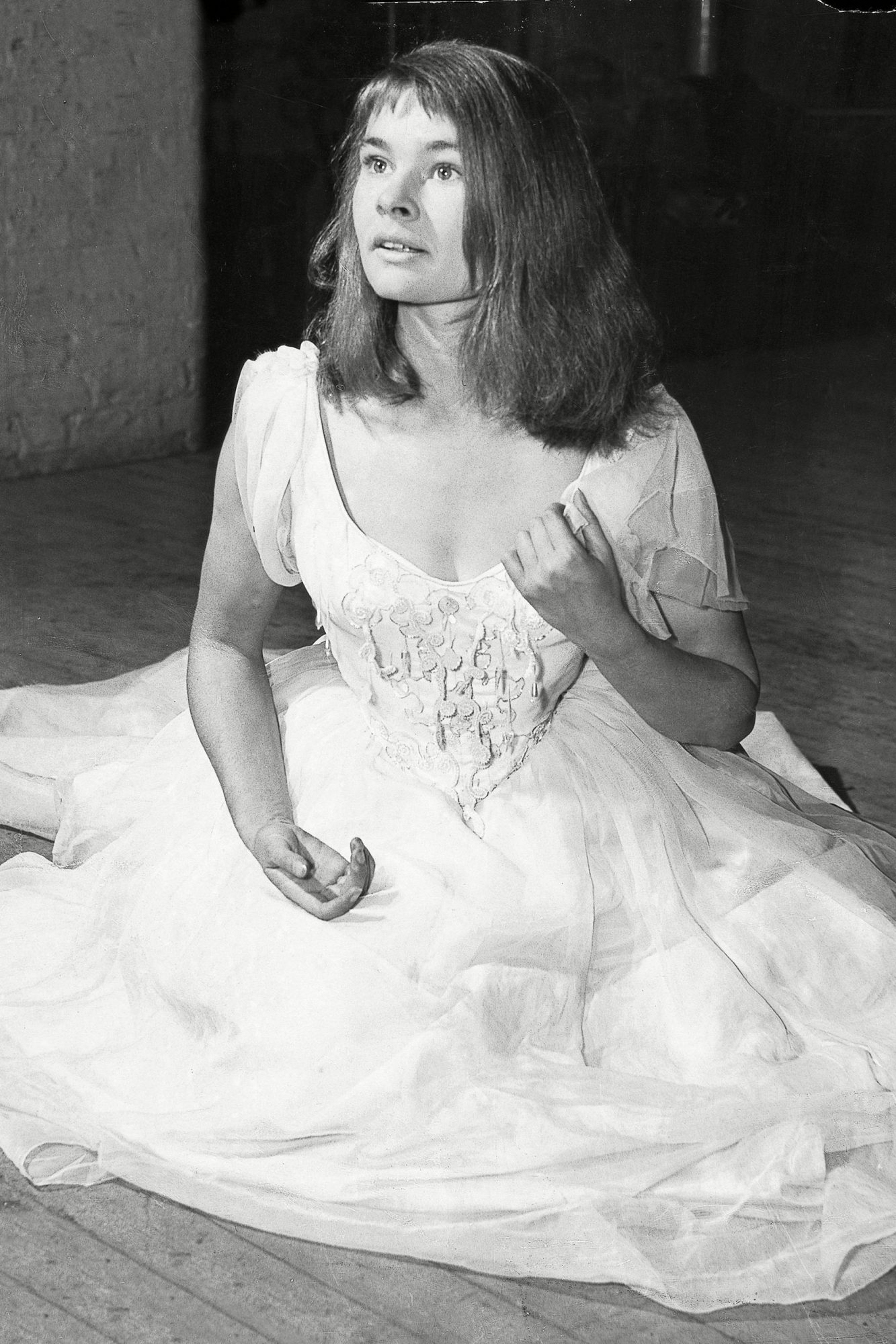 Judi Dench On Stage As Ophelia In Hamlet At The Old Vic In September 1957