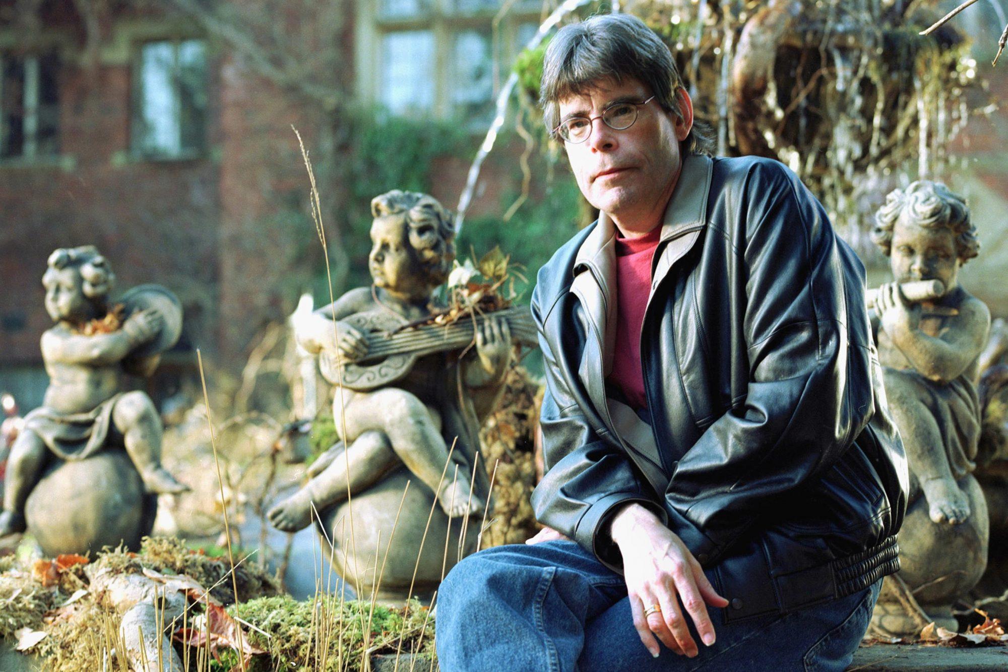 RED ROSE, Writer Stephen King, 2002