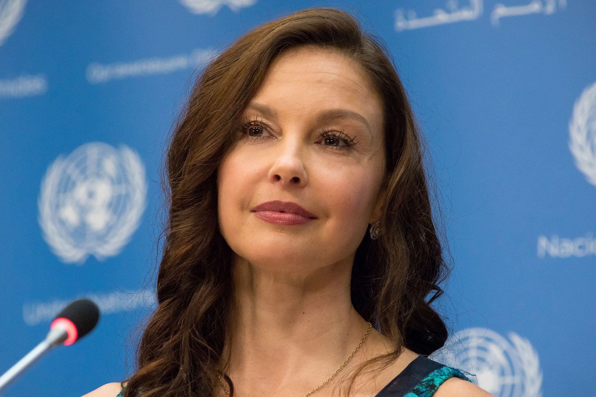 Ashley Judd speaks with the press. Ashley Judd and United