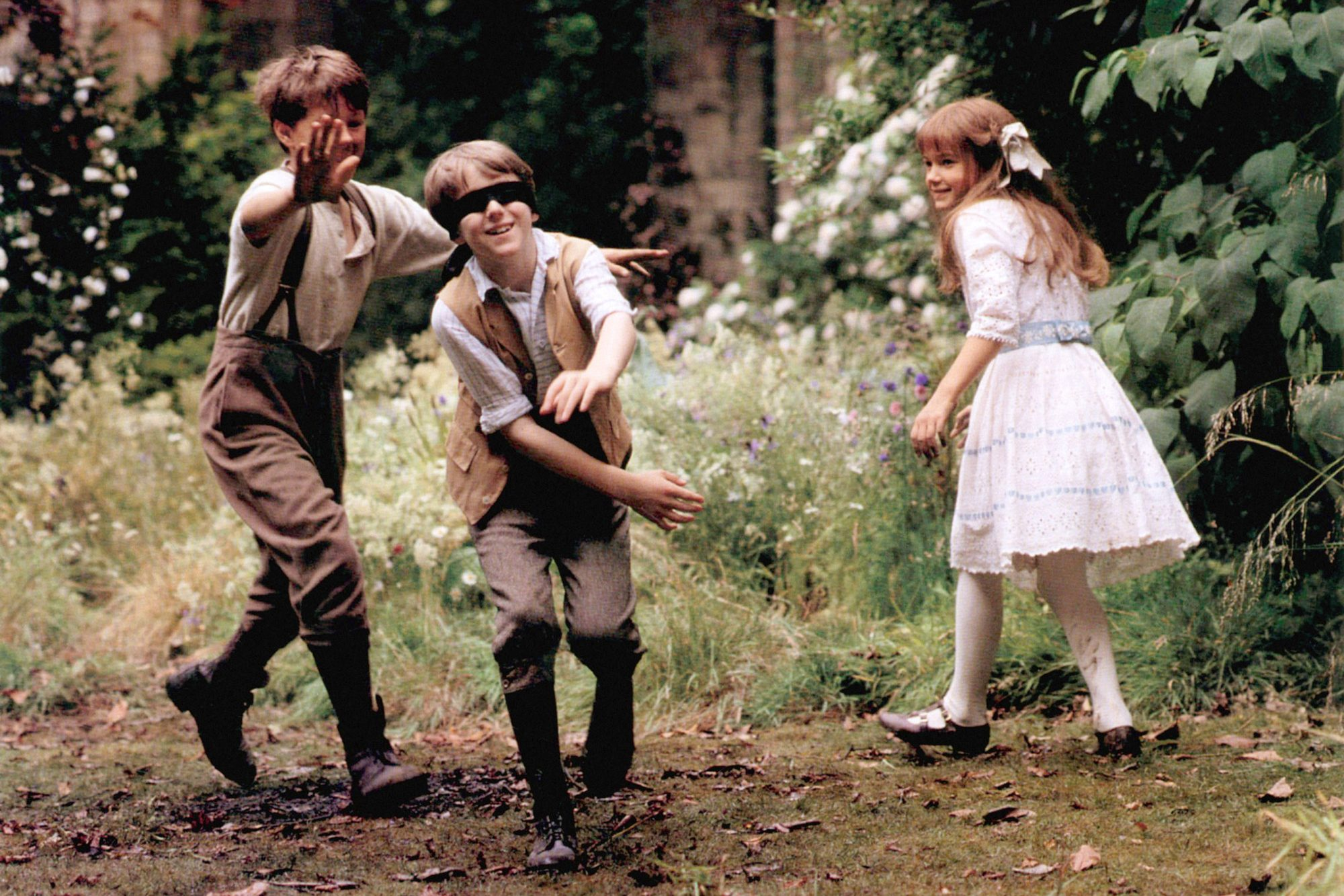 THE SECRET GARDEN, from left, Andrew Knott, Heydon Prowse, Kate Maberly, 1993, ©Warner Bros./courtes