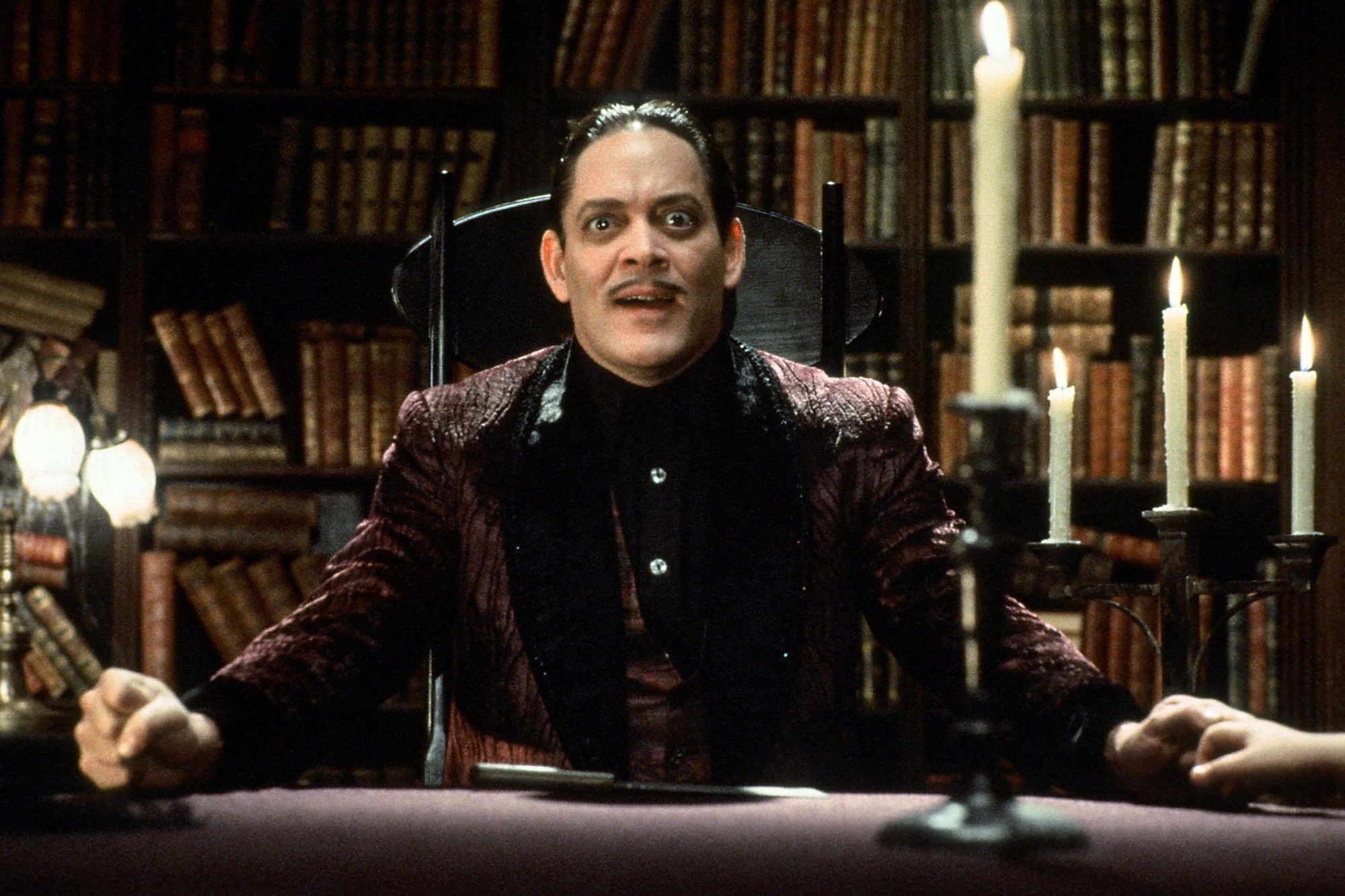 THE ADDAMS FAMILY, Raul Julia, 1991, (c) Paramount/courtesy Everett Collection