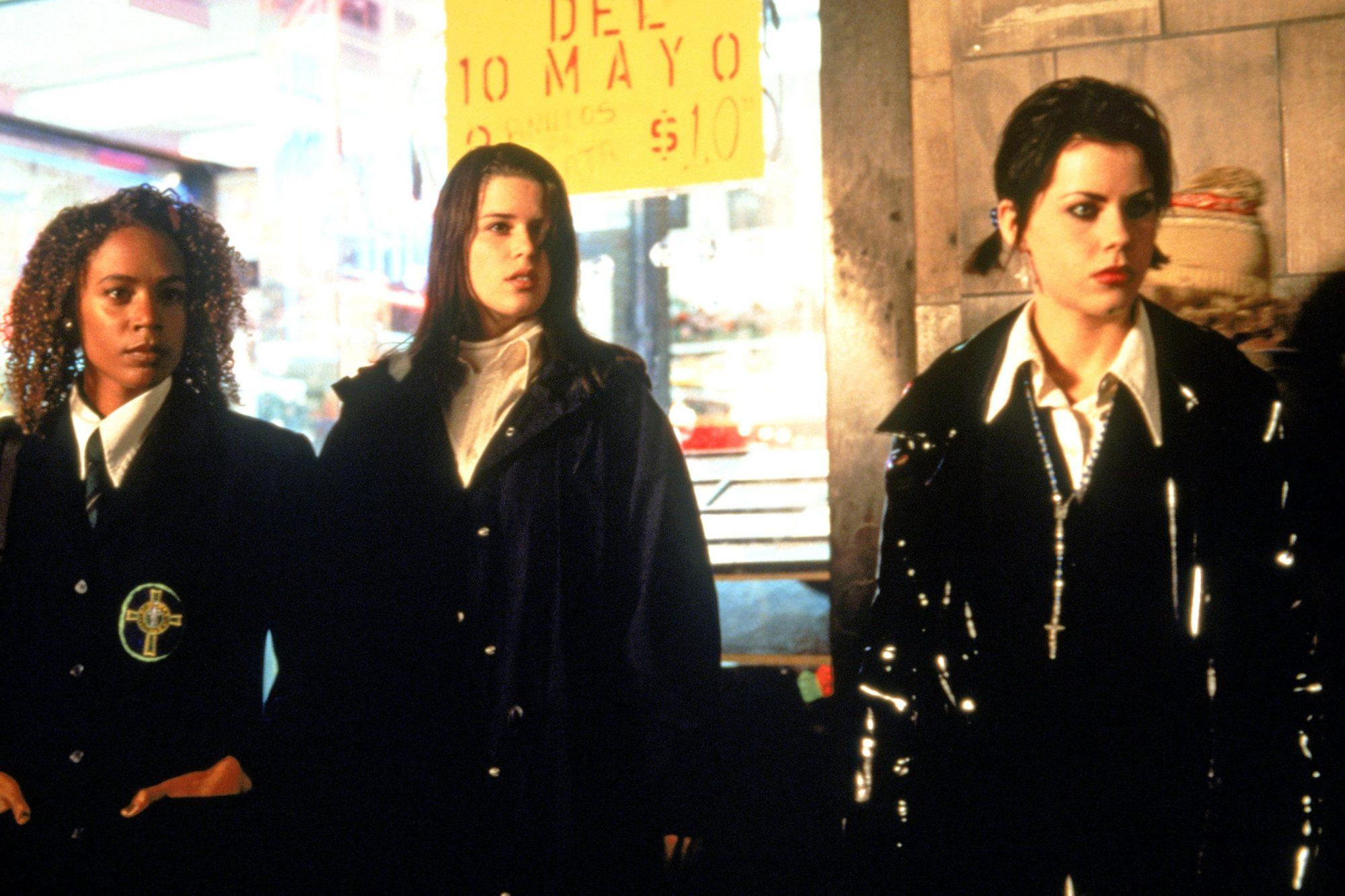 THE CRAFT, Rachel True, Neve Campbell, Fairuza Balk, 1996, (c) Columbia/courtesy Everett Collection