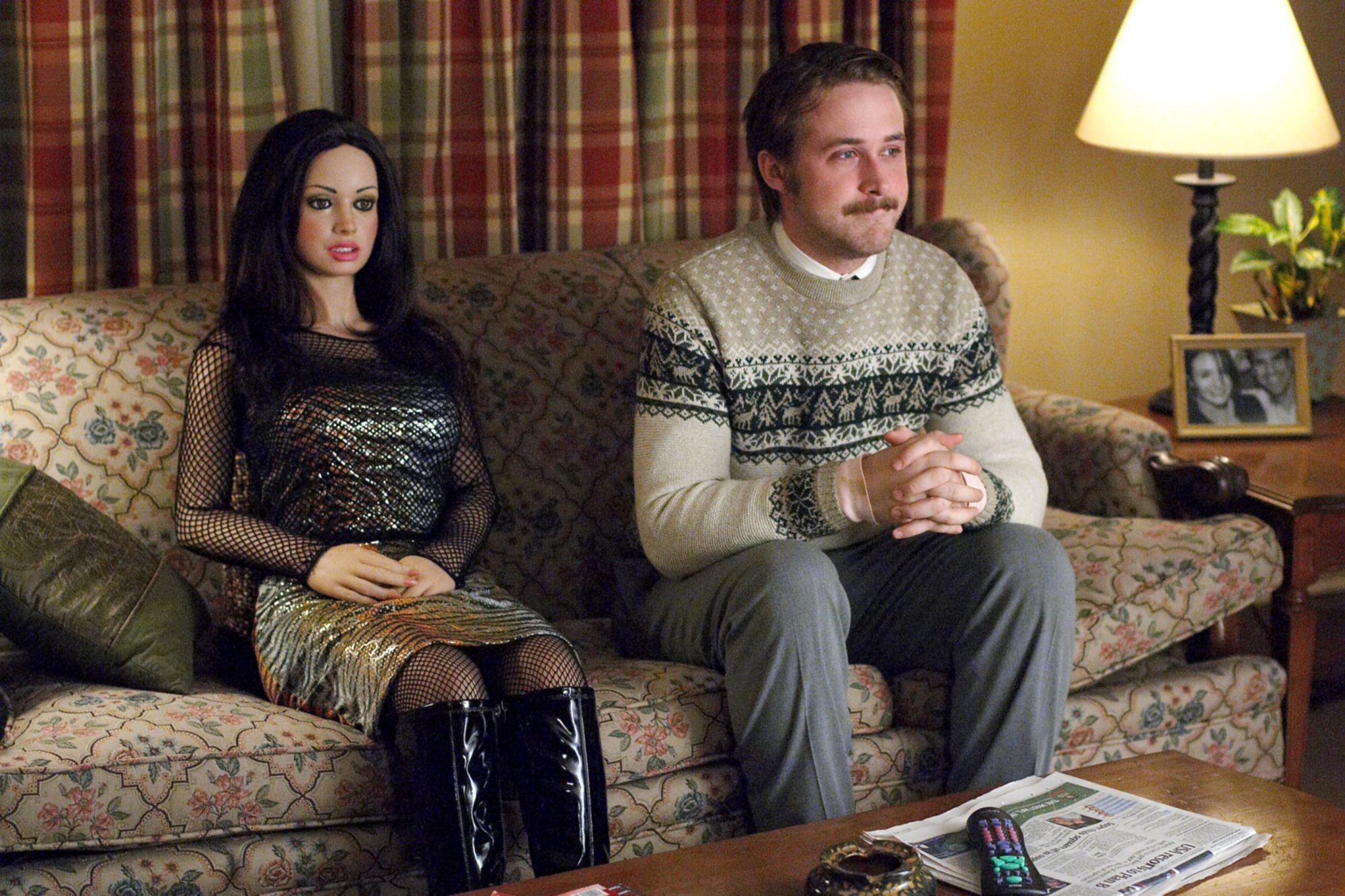 LARS AND THE REAL GIRL, Ryan Gosling, 2007. ©MGM/courtesy Everett Collection