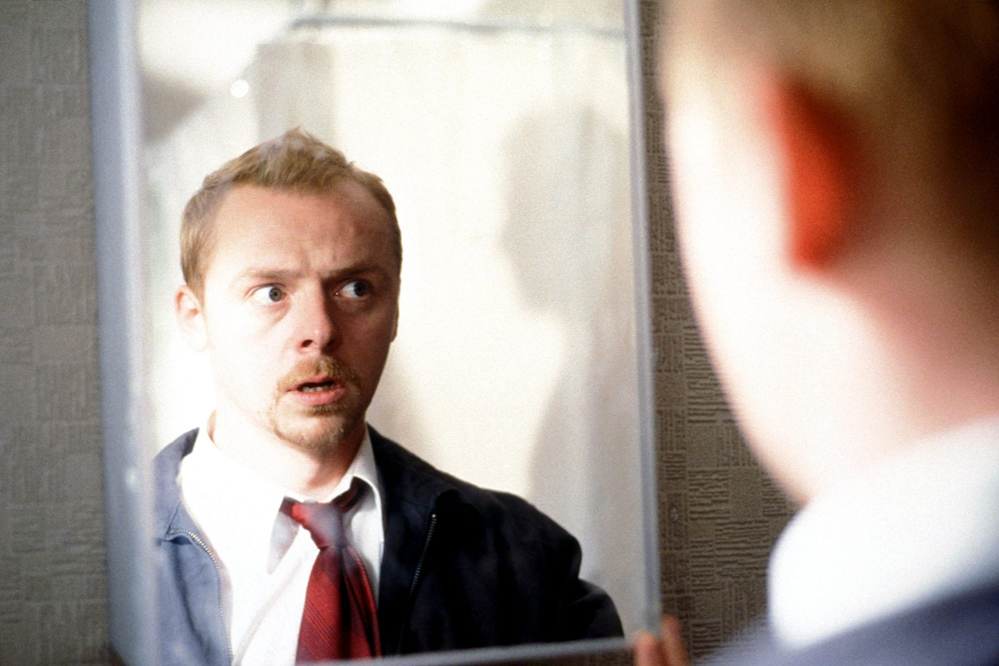 SHAUN OF THE DEAD, Simon Pegg, 2004, (c) Rogue Pictures/courtesy Everett Collection