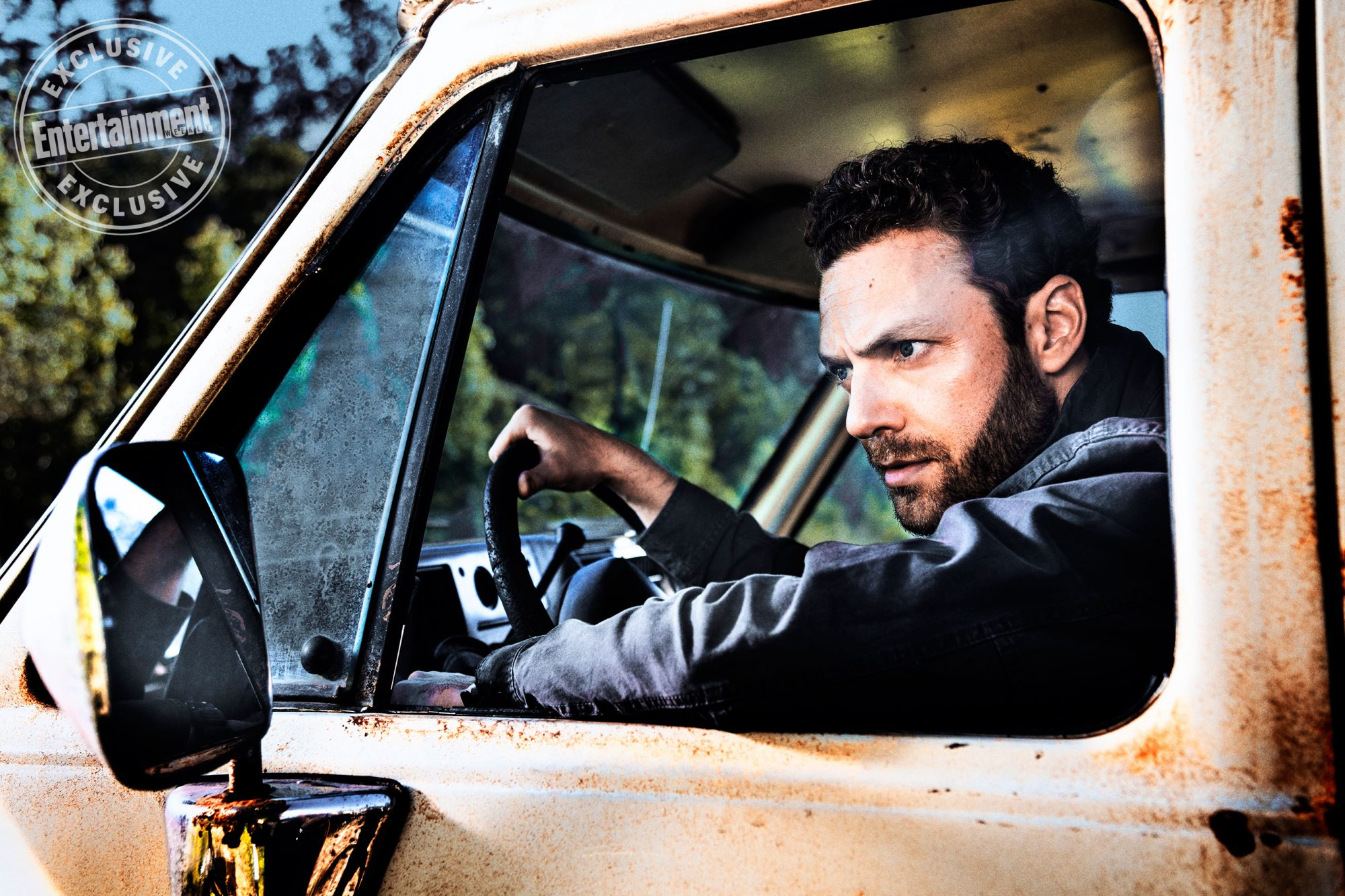 Ross-Marquand-as-Aaron --The-Walking-Dead-_-Season-8,-Gallery---Photo-Credit-Alan-Clarke,-AMC_2