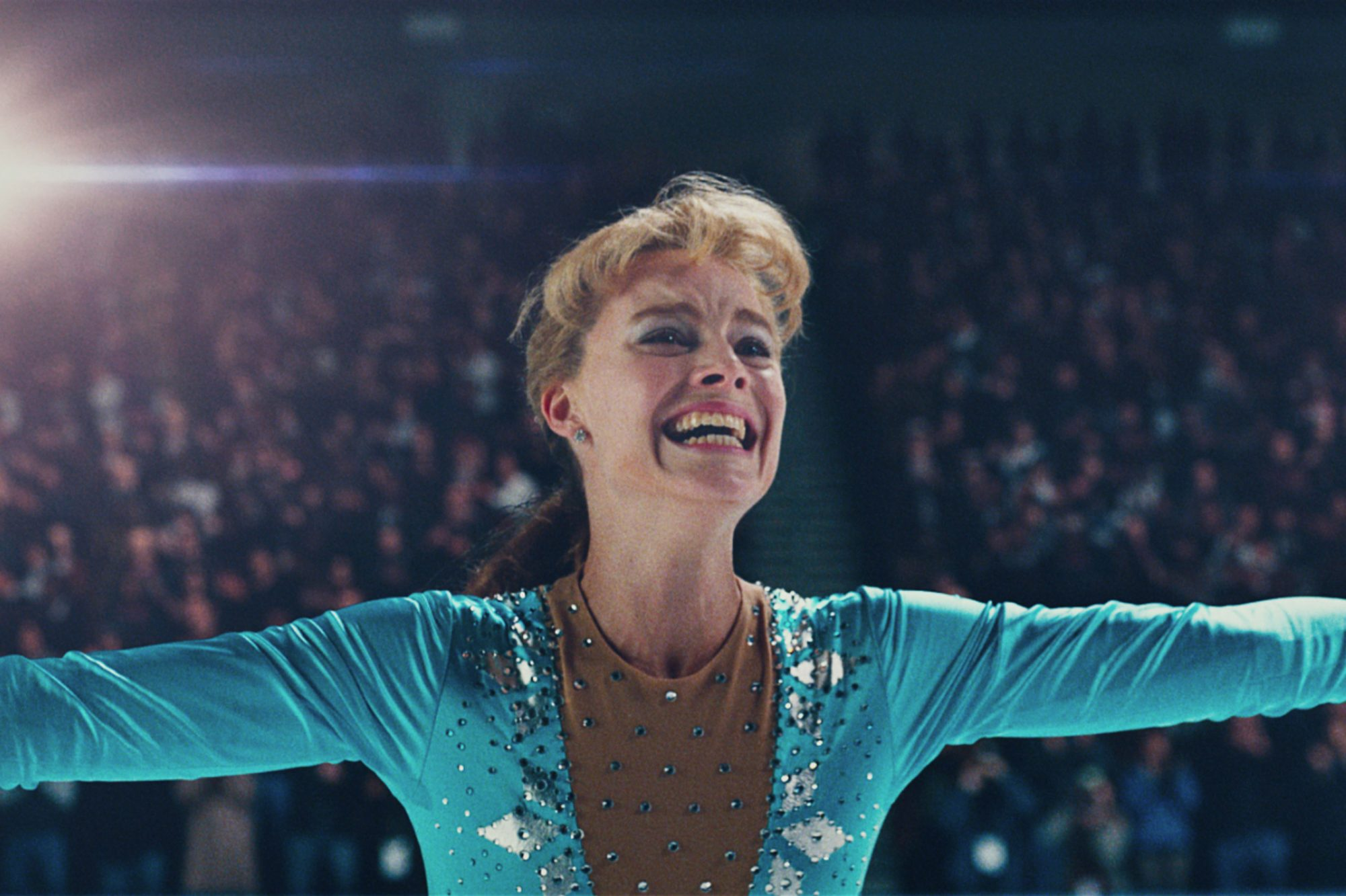 Tonya-Harding-(Margot-Robbie)-after-landing-the-triple-axel