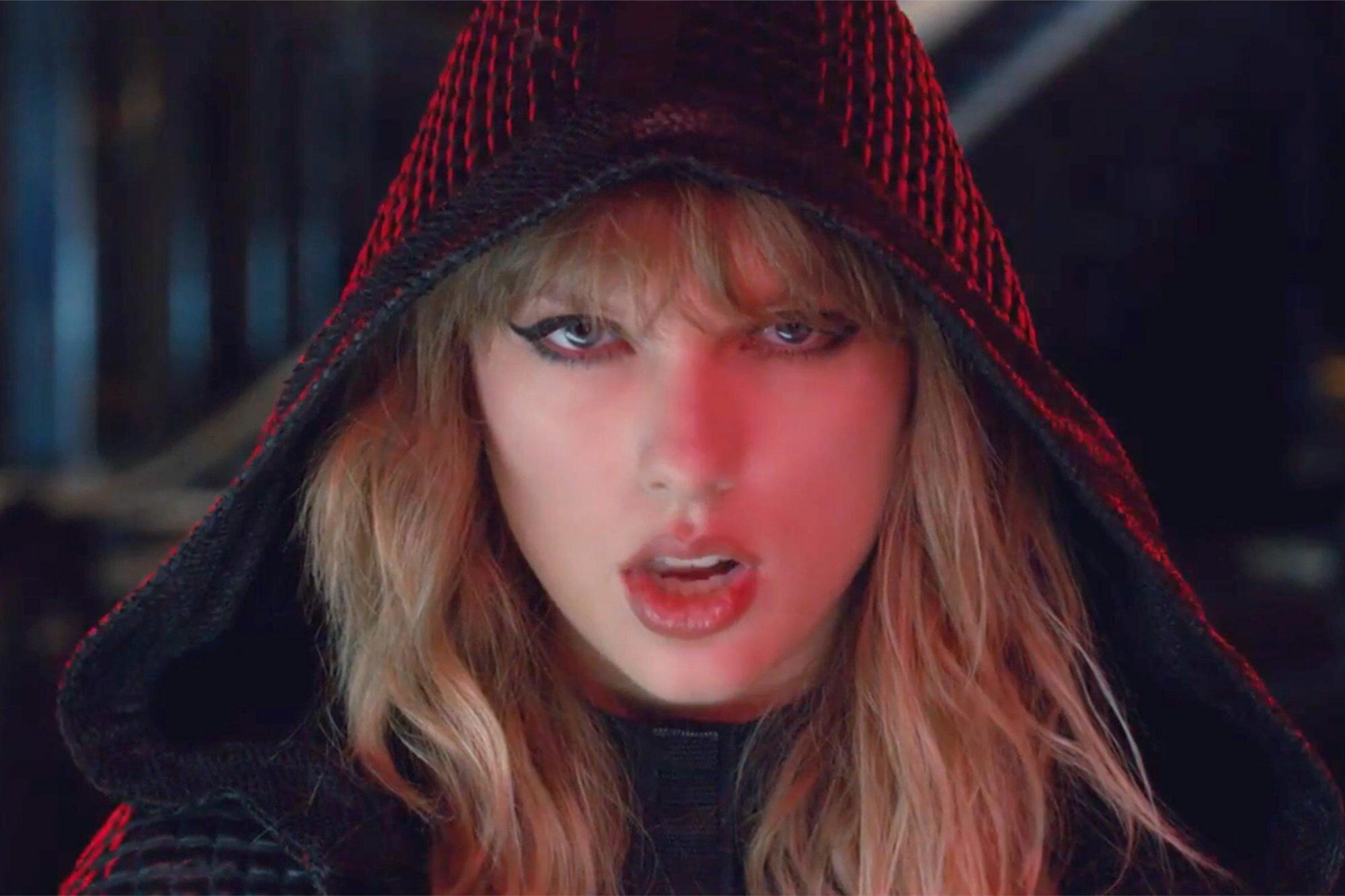 Taylor Swift Ready For It Video Joe Alwyn Easter Eggs You Missed Ew Com