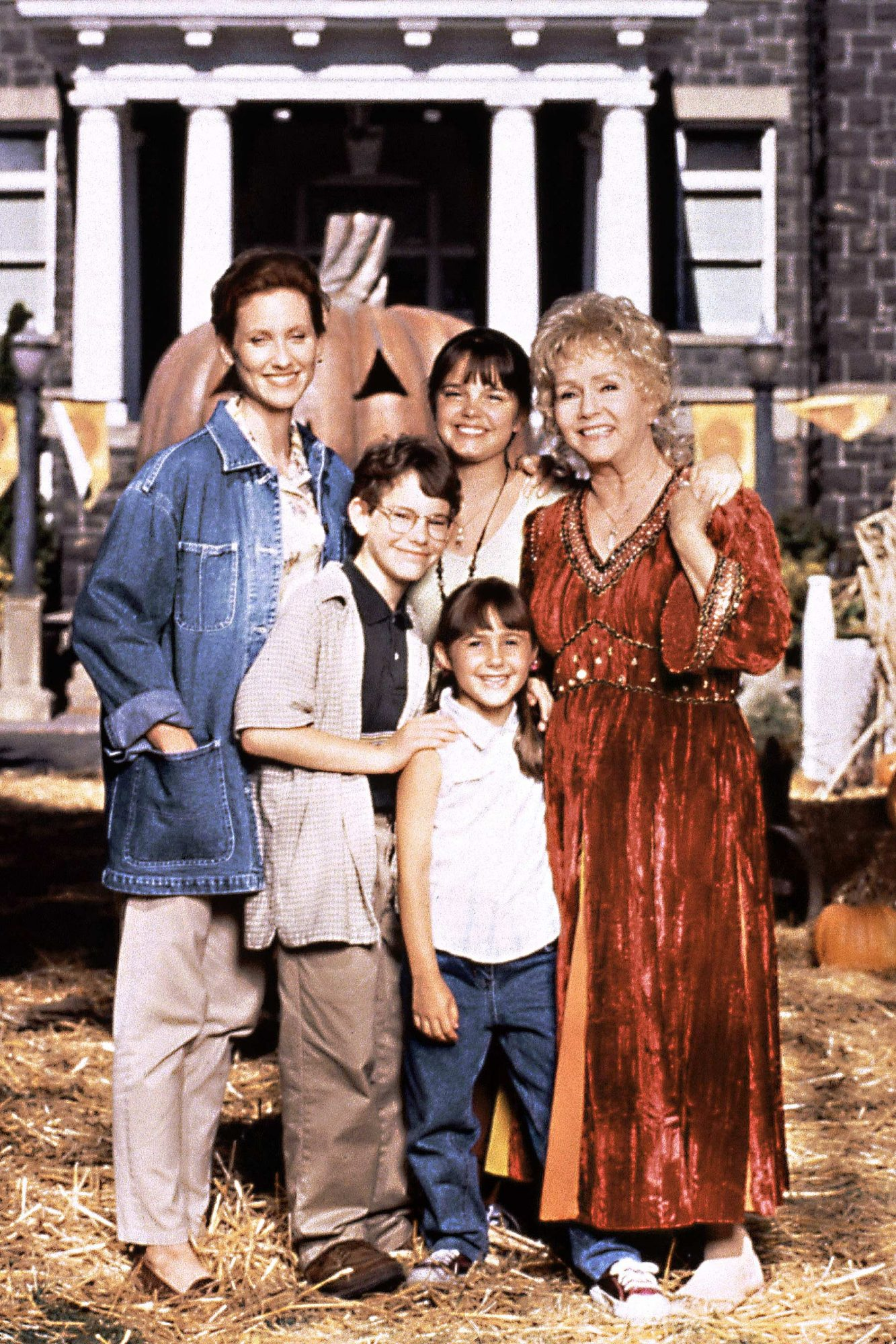HALLOWEENTOWN, (from left): Judith Hoag, Joey Zimmerman, Kimberly J. Brown, Emily Roeske, Debbie Rey
