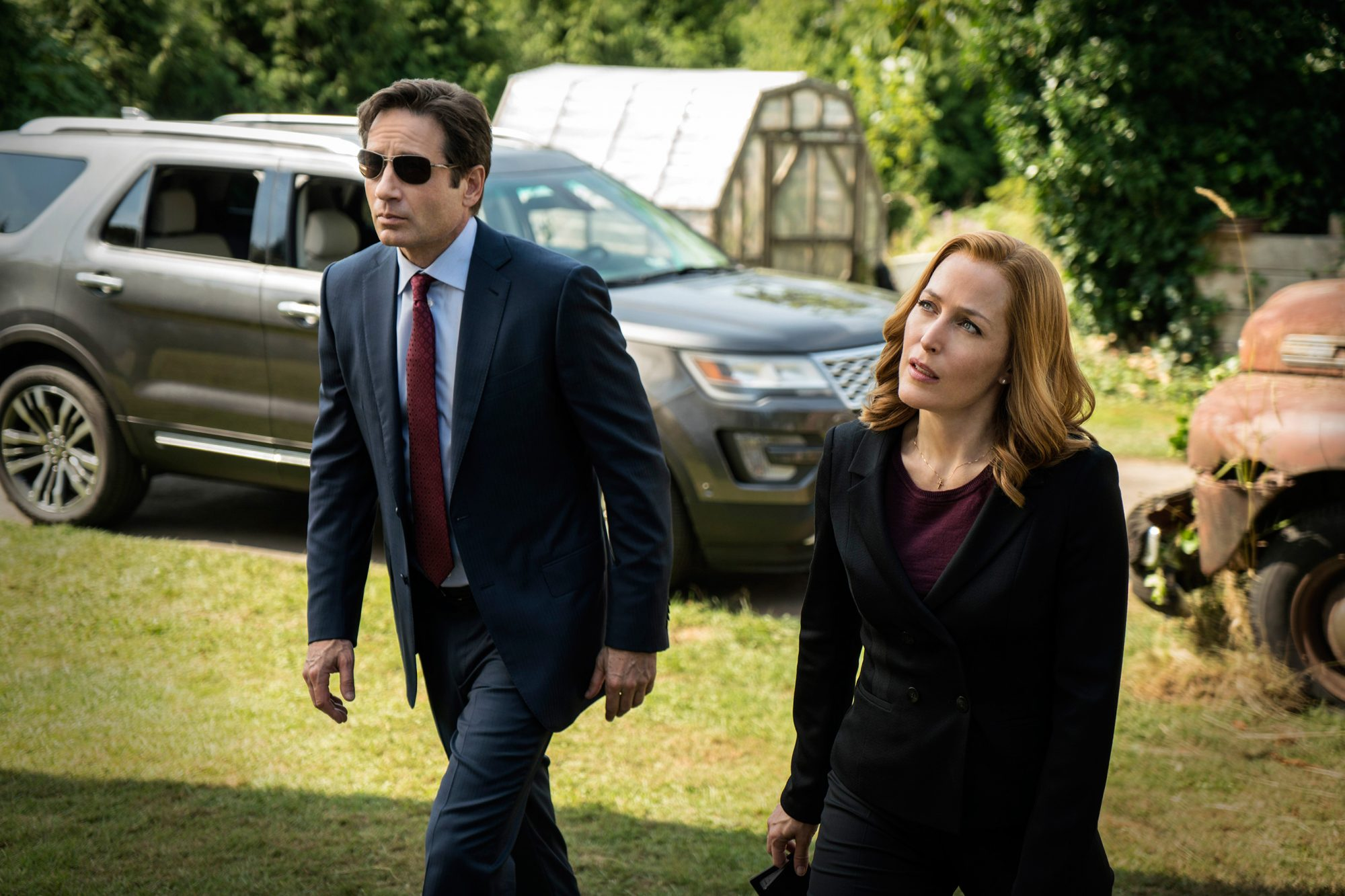 X-Files_1005_081115_sc4243p-(1)