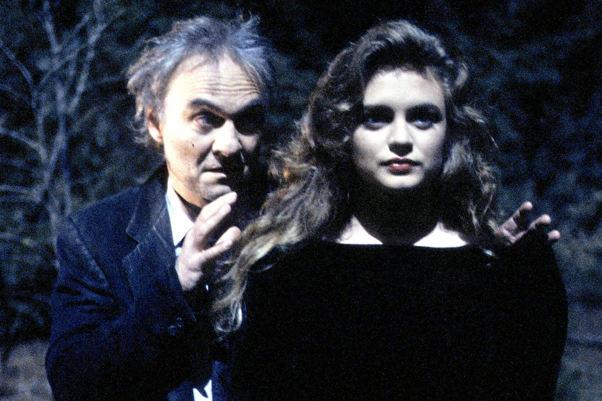 KENNETH WELSH;HEATHER GRAHAM