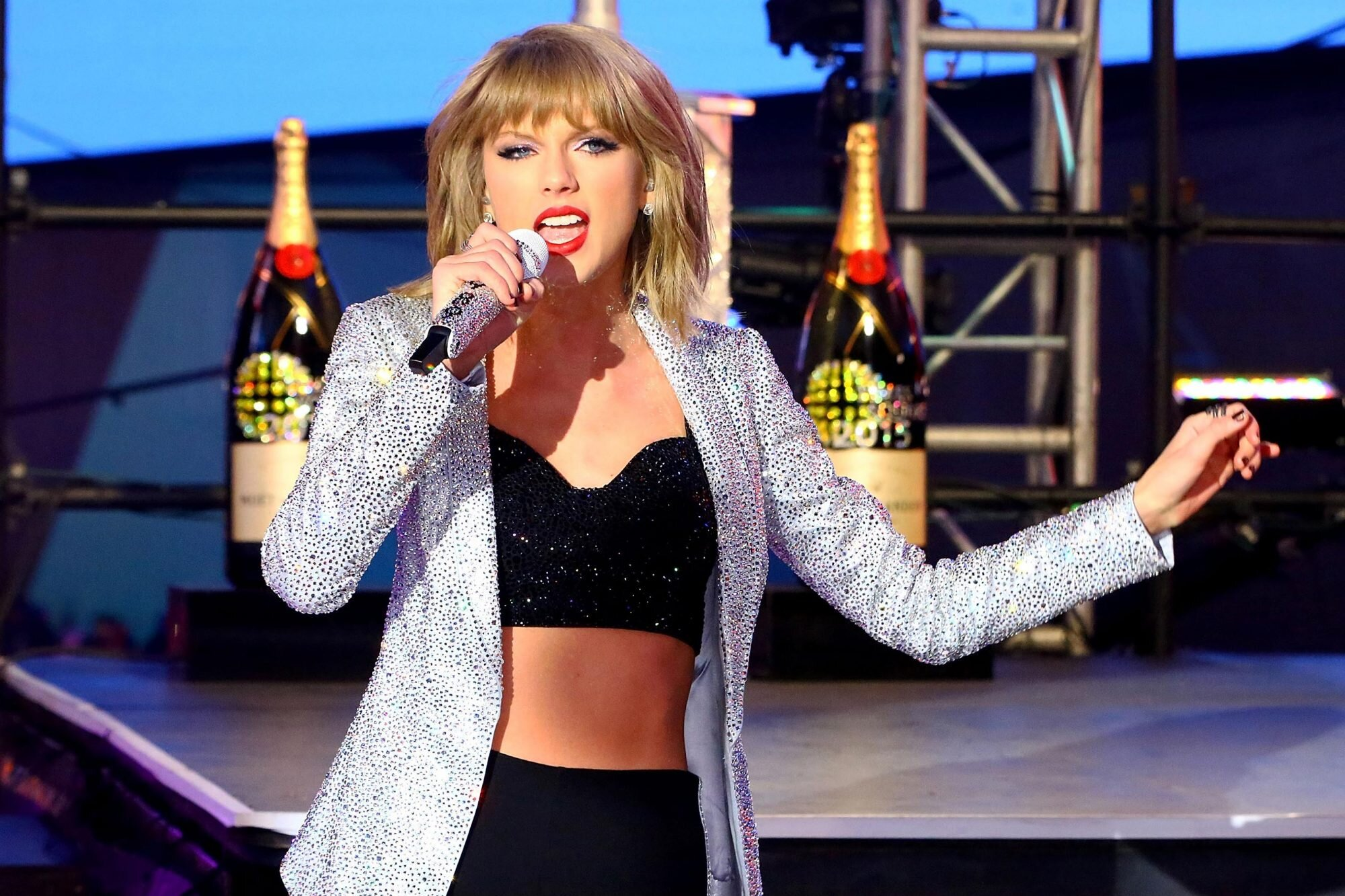Taylor Swift S Reputation How To Drink Like The Singer Ew Com